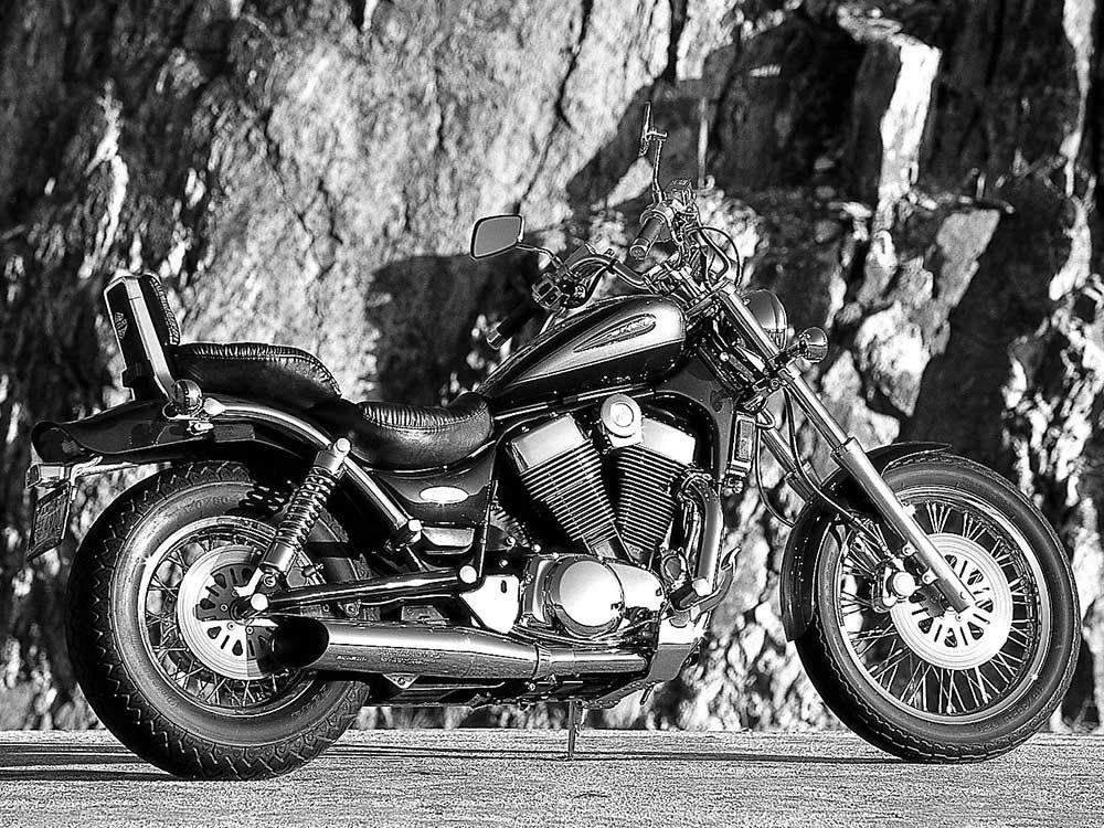 Battle Of The Basic Big Twins 2000 Suzuki Intruders | Motorcycle Cruiser