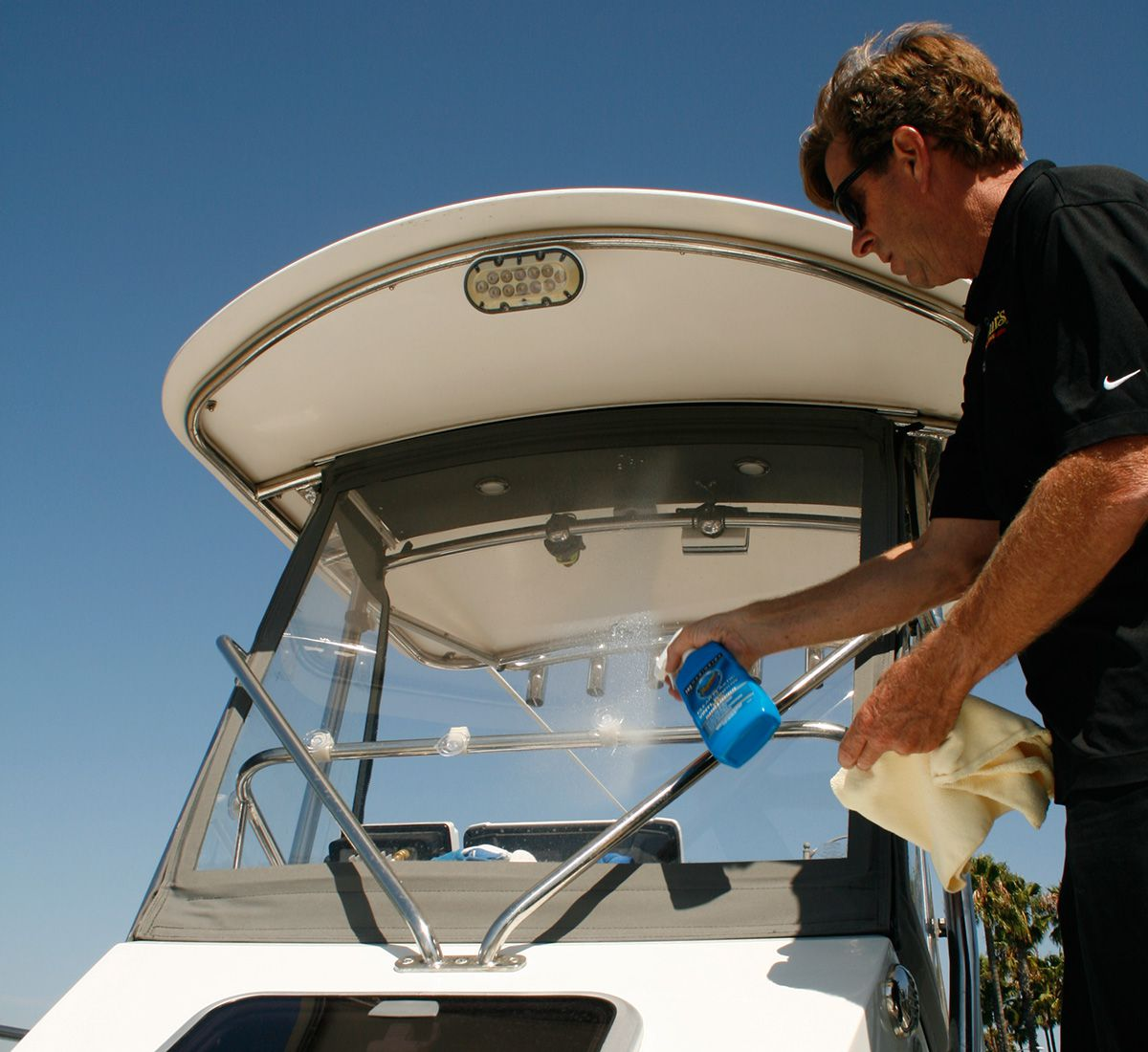 5 Steps for Restoring Clear Enclosures | Boating Magazine