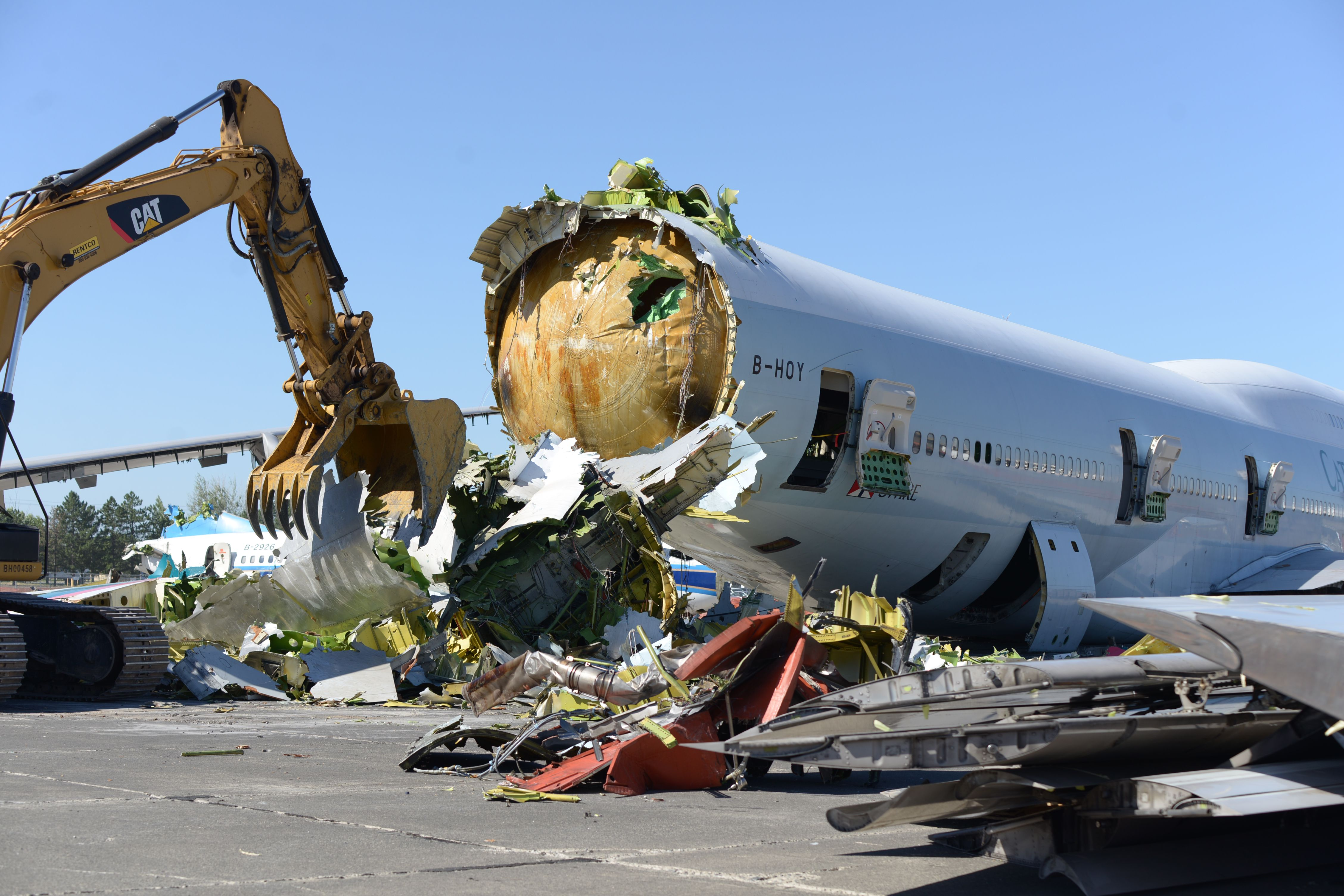 Where airplanes go to die—and be reborn   Popular Science