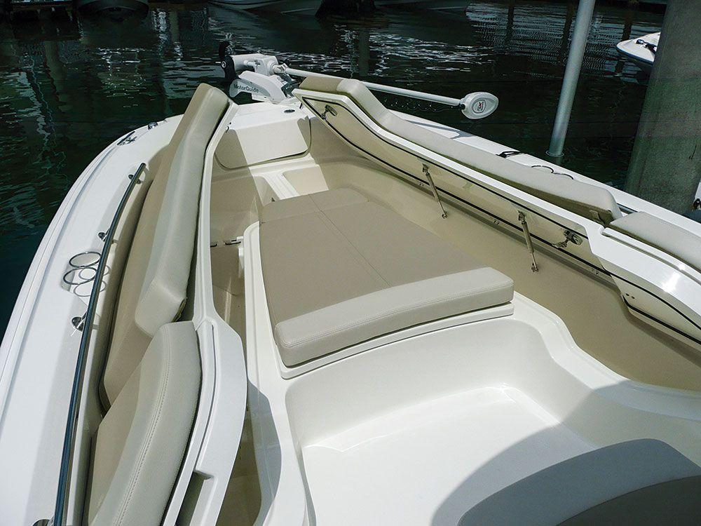 Boat Review Boston Whaler 240 Dauntless Pro | Salt Water Sportsman