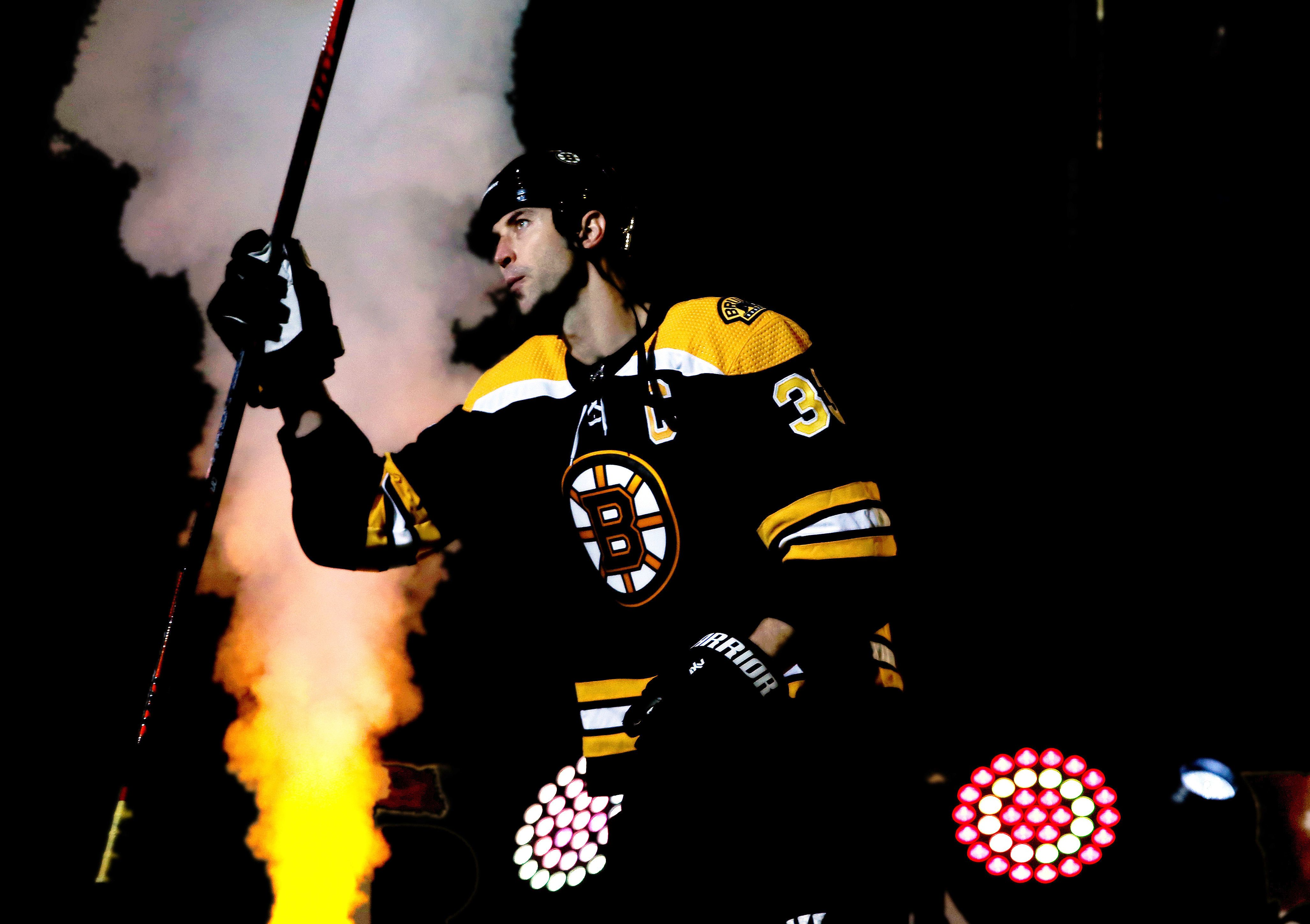 NHL's tallest player (Zdeno Chara) meets the NHL's shortest