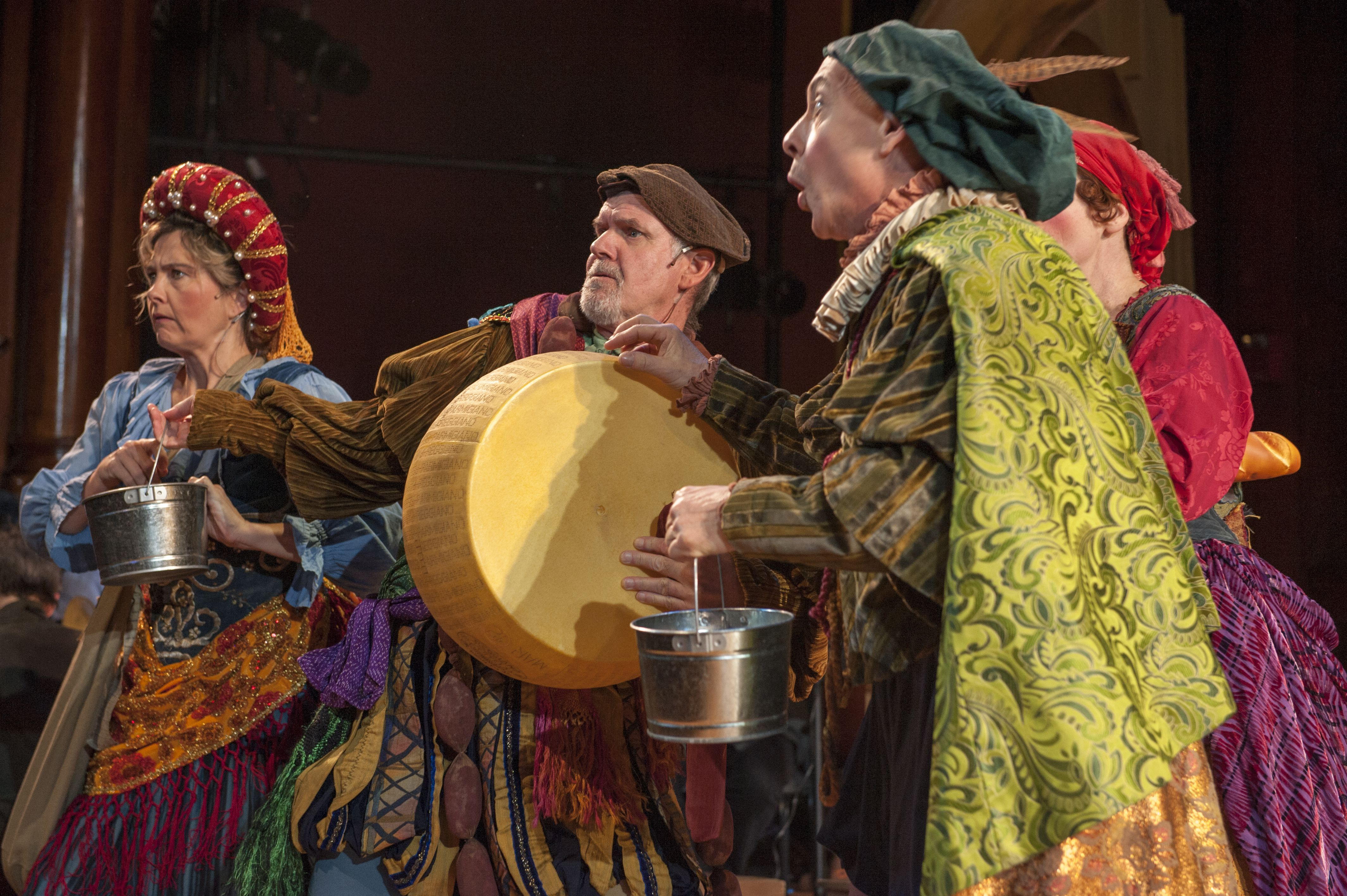 Christmas Revels.A Handsome Christmas Revels Brings The Party To Venice