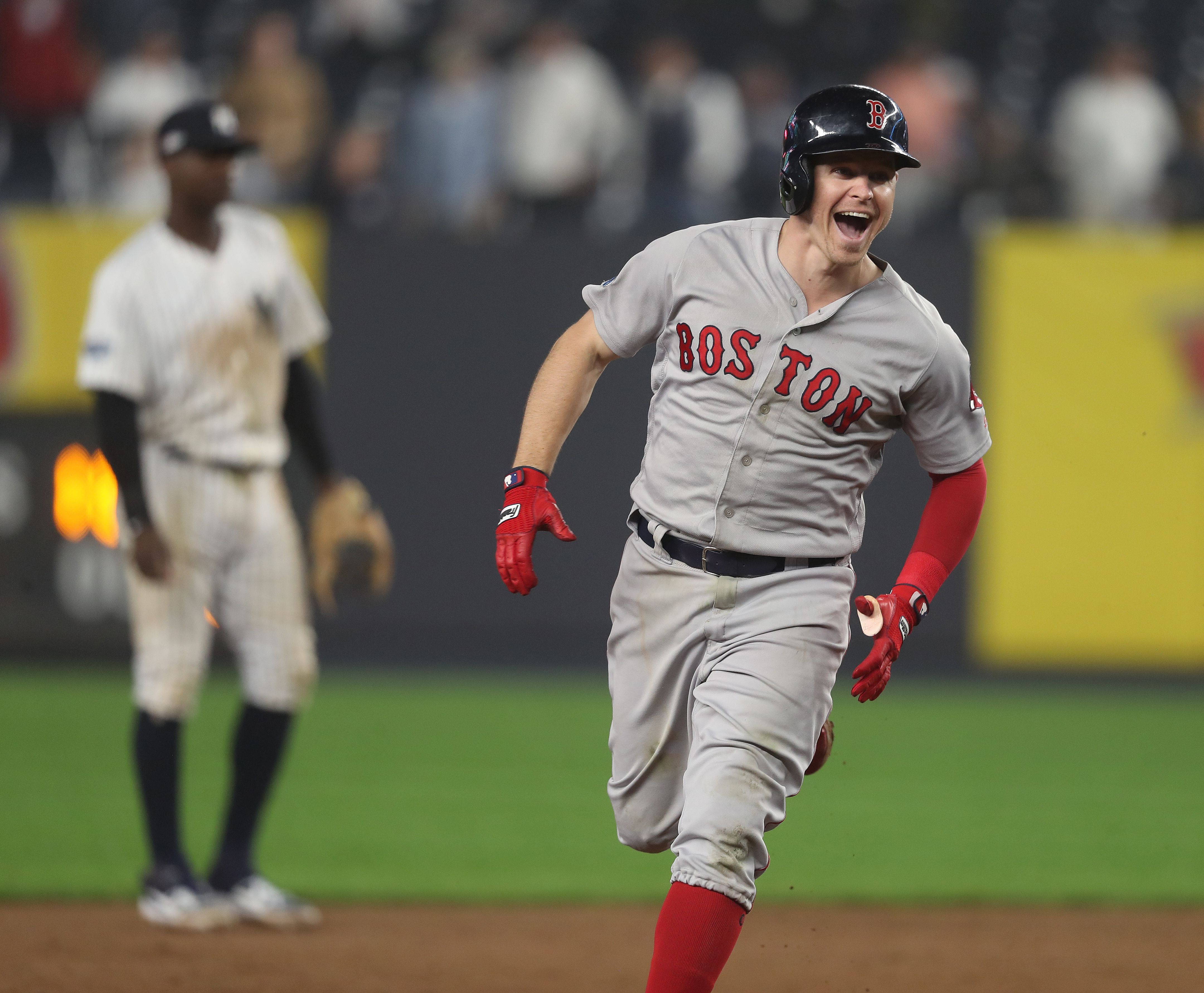 hot sale online b061c 3b1b2 Red Sox batter Yankees, and move one win away from ALCS ...