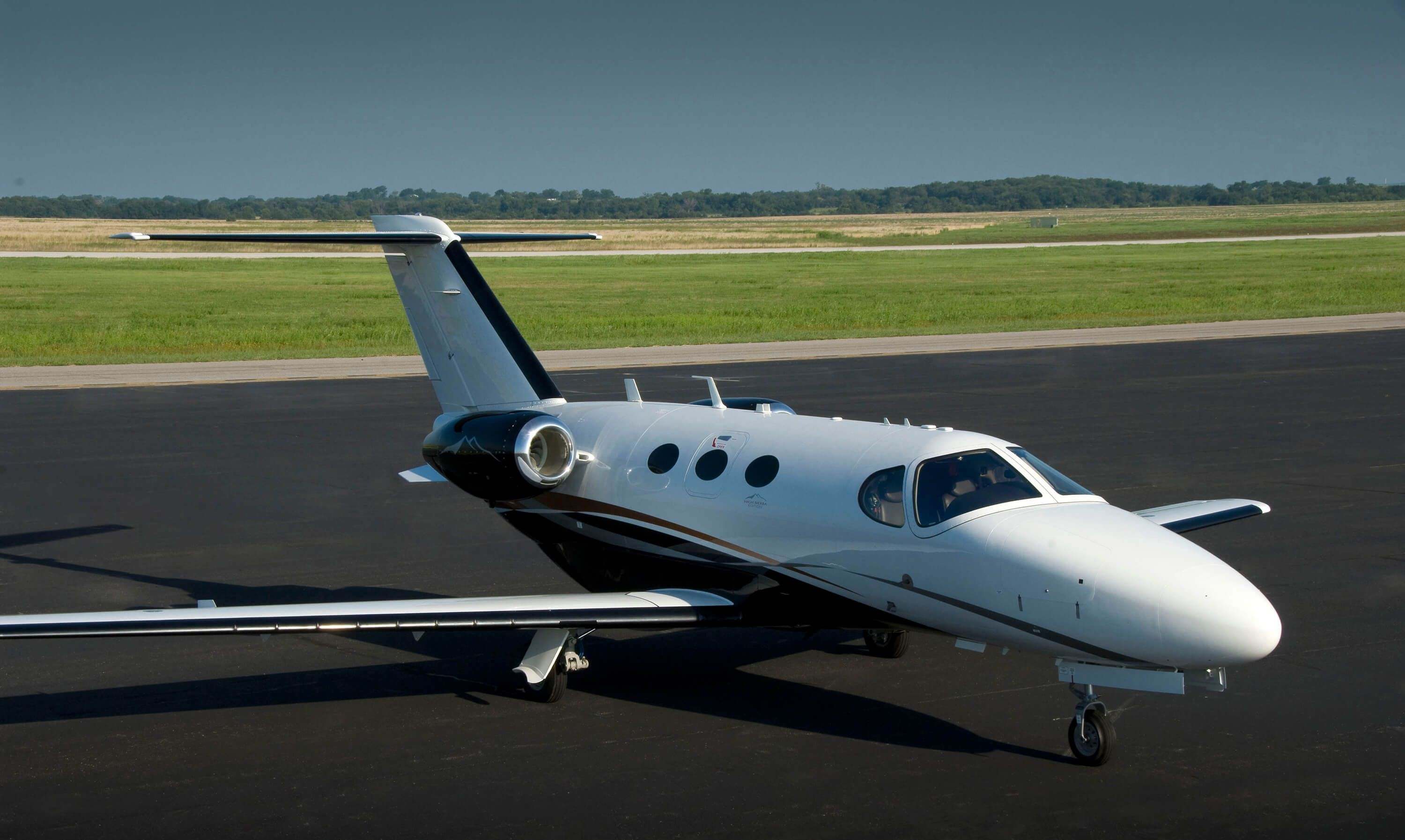 Textron Aviation Offers ADS-B Solutions for Citations, King