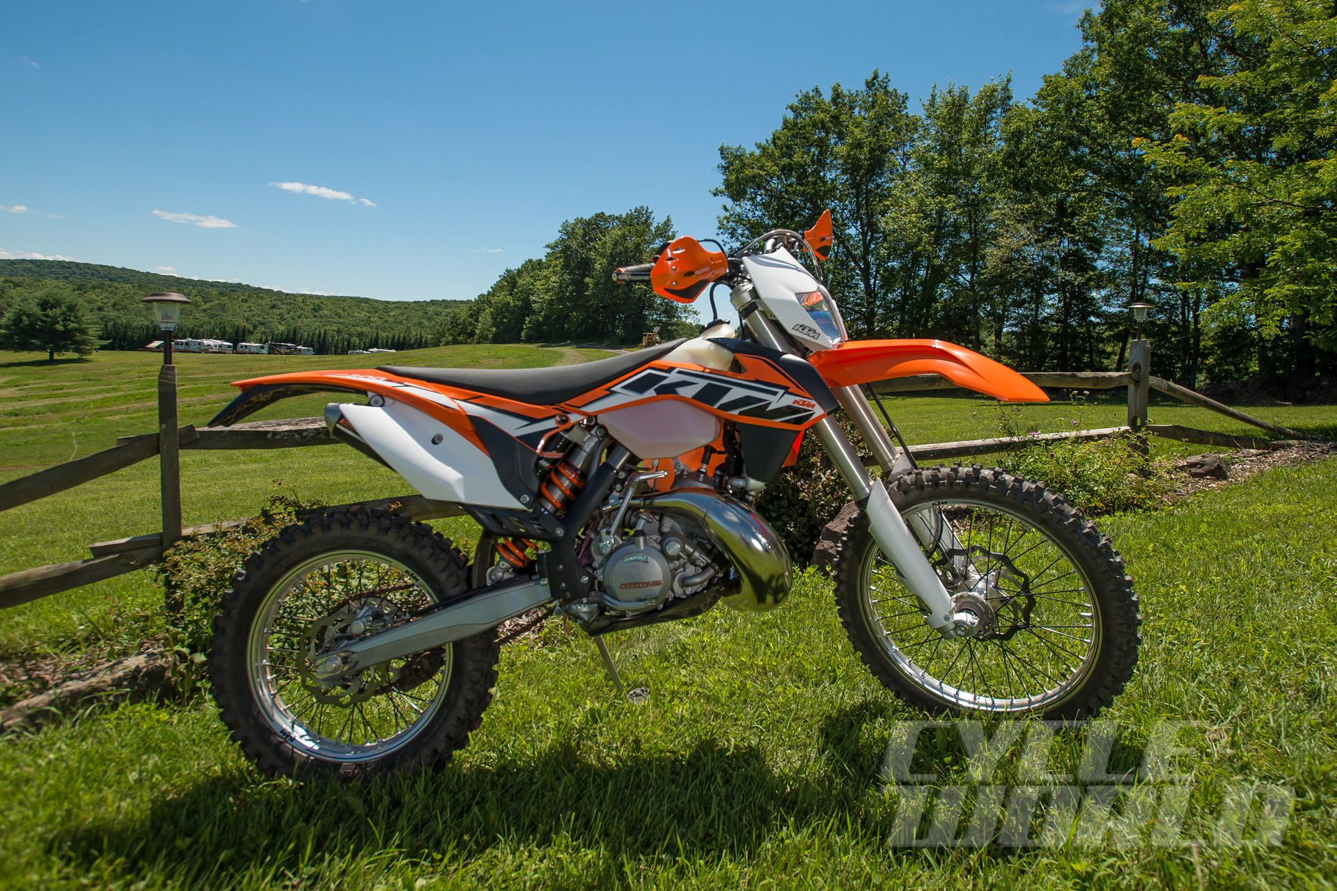 Excellent 2014 Ktm 200 Xc W First Ride Review Photos Pricing Cycle Pabps2019 Chair Design Images Pabps2019Com