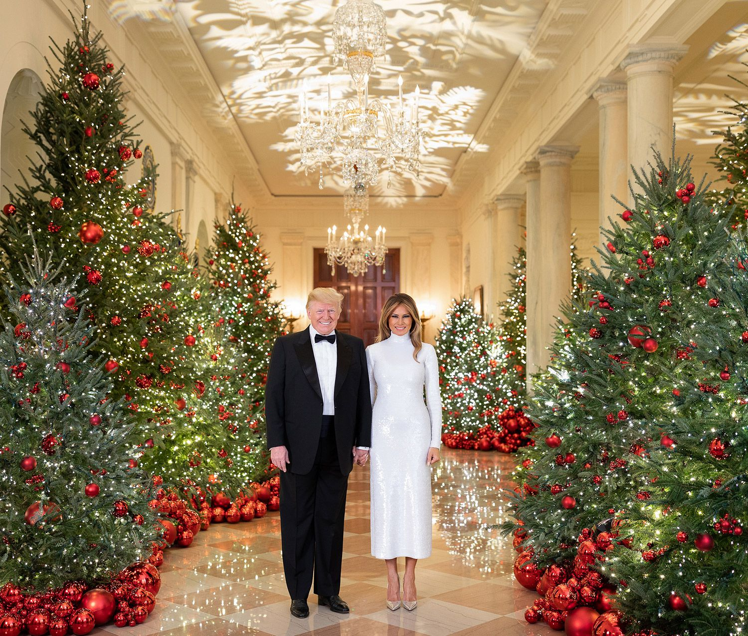 Why does the White House Christmas portrait look so weird