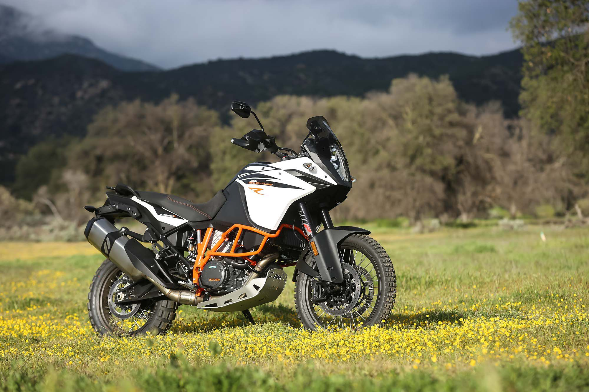 2017 KTM 1090 Adventure R First Ride Review | Motorcyclist