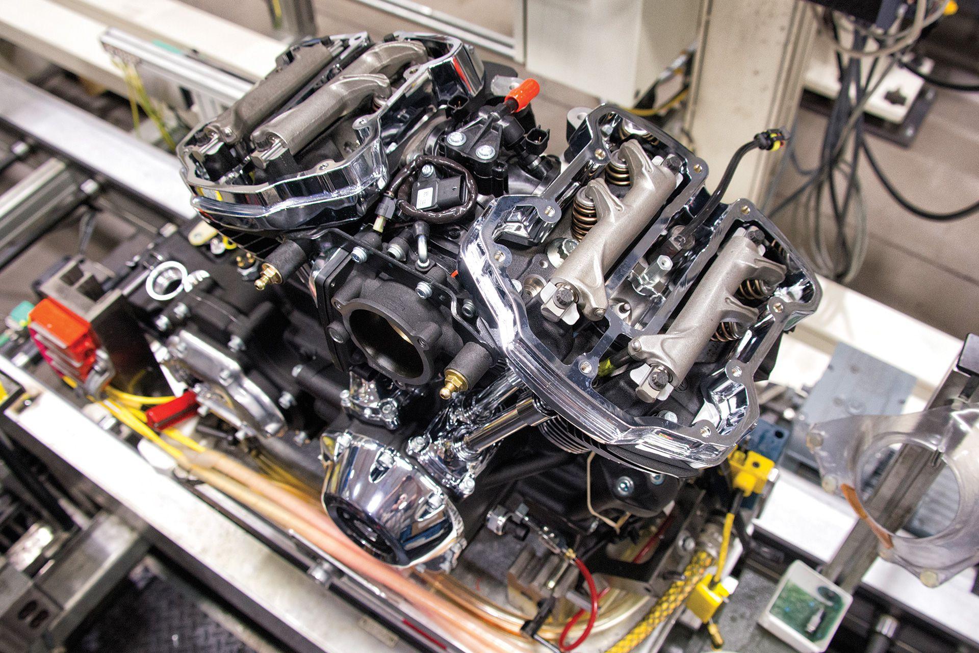 Harley-Davidson's New Milwaukee-Eight Big Twin Engine   Cycle World