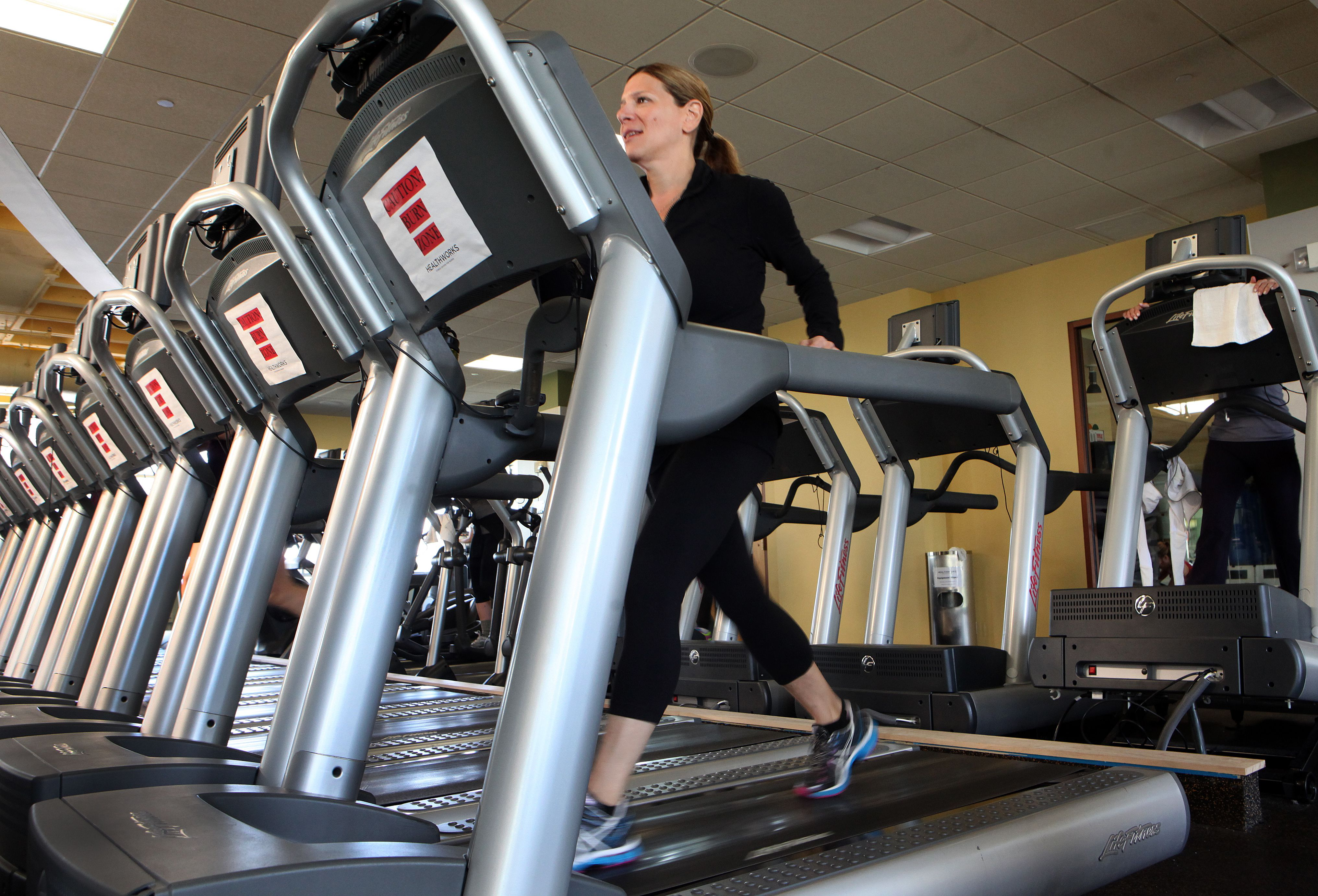 On Route 9, a rivalry of elite fitness clubs - The Boston Globe