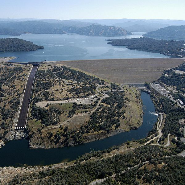 What is happening with the Oroville Dam spillway? | Popular