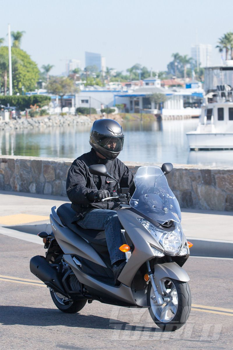 2015 Yamaha SMAX Scooter Review- First Ride Photos