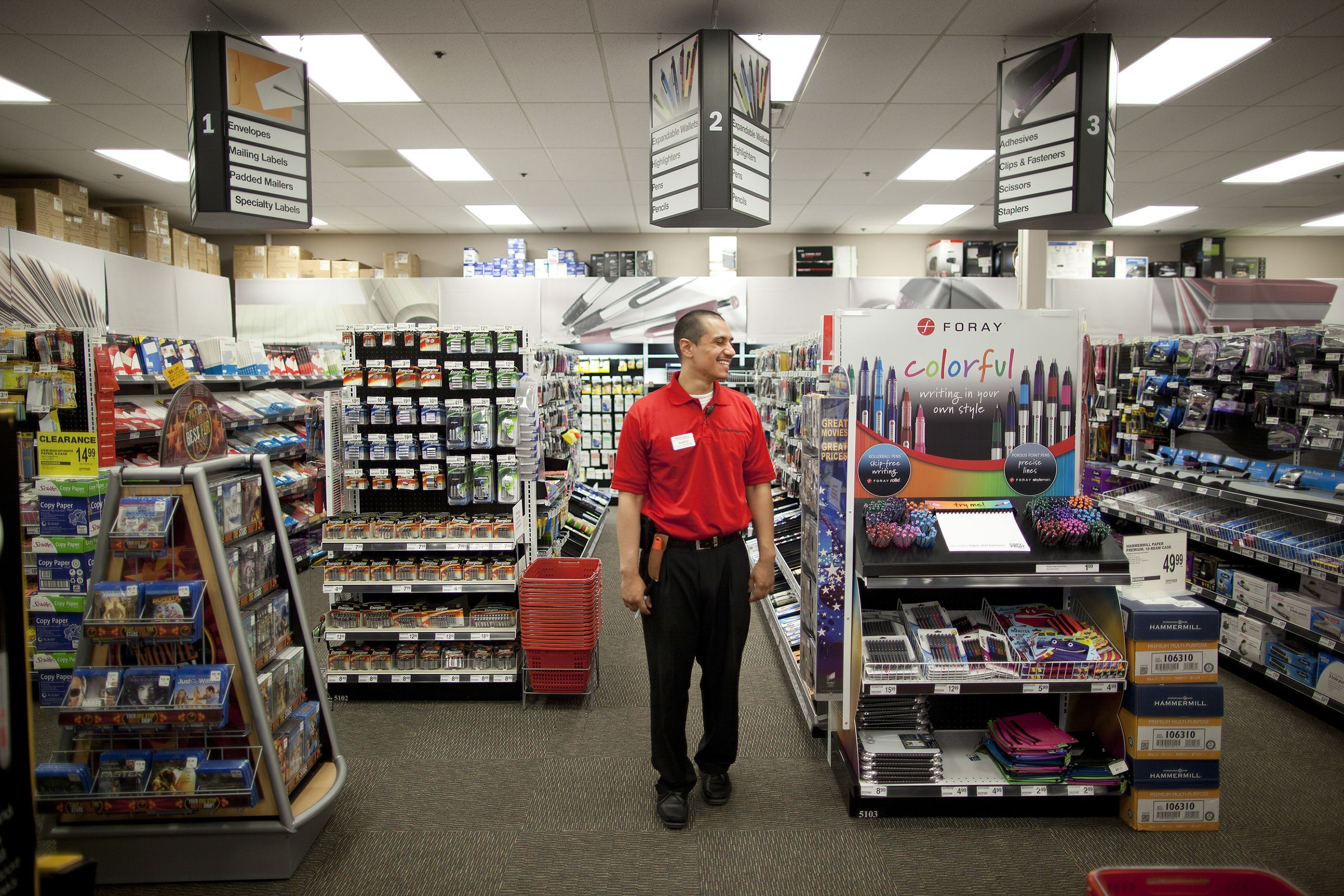 bba347d134b7 After merger with Office Depot dies, Staples shareholders revolt - The  Boston Globe