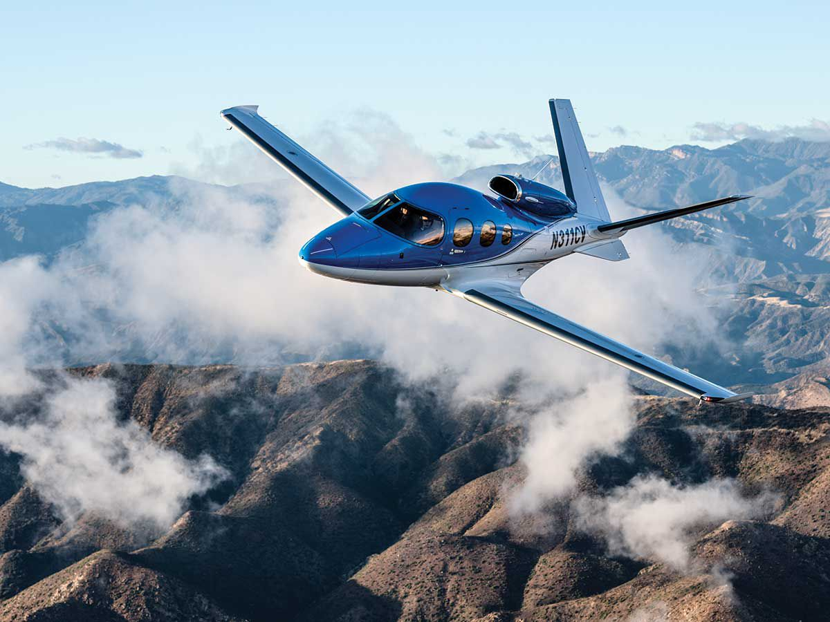 What It's Like to Fly the Generation 2 Cirrus Vision | Flying