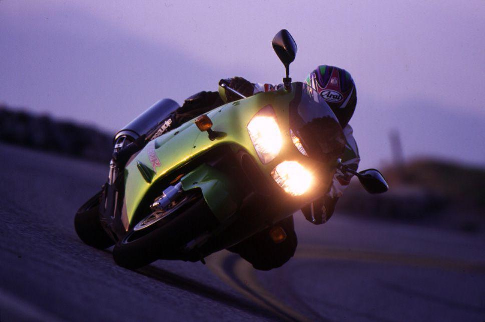kawasaki ninja zx-12r on-road action