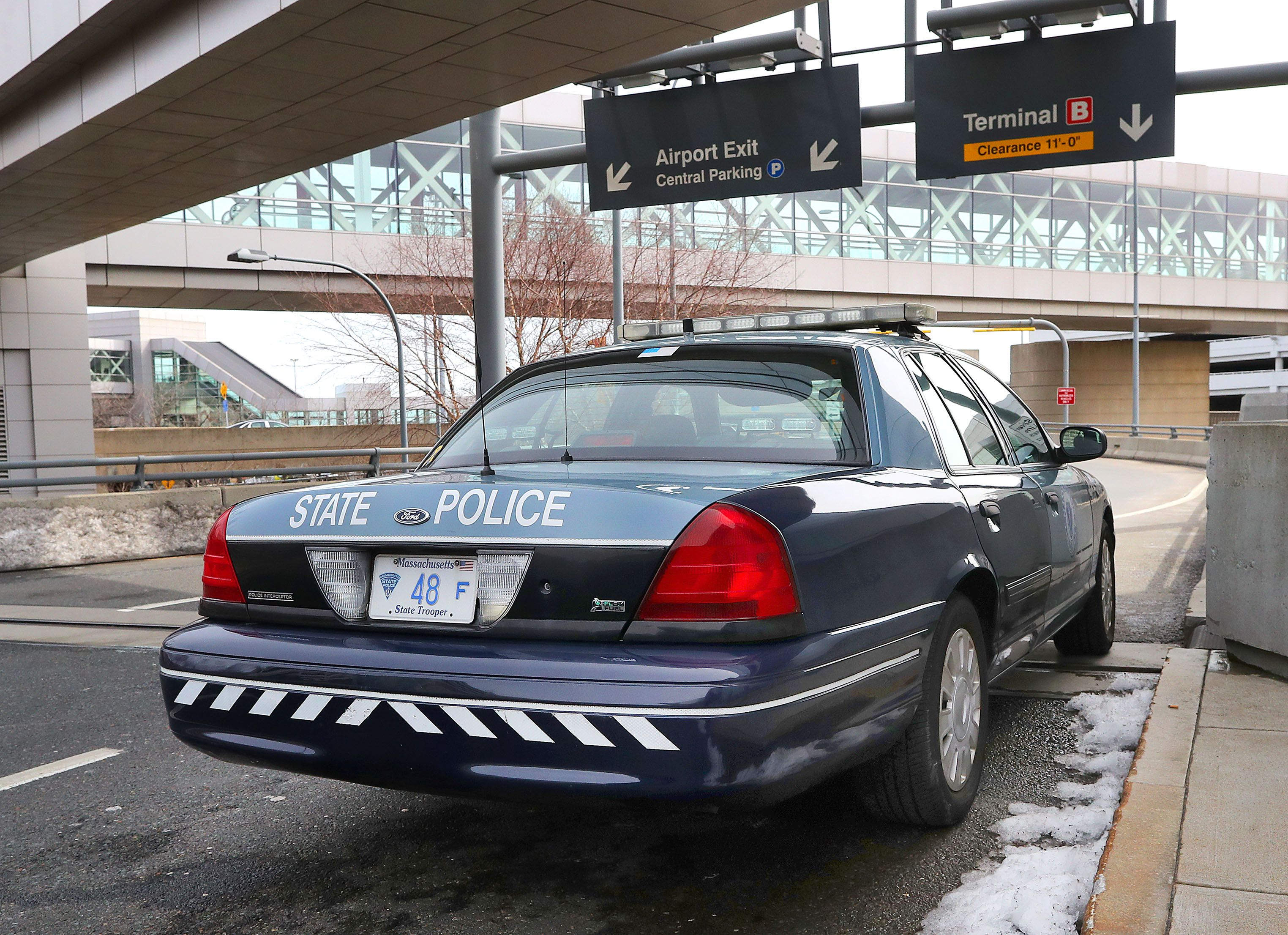 State Police trooper admits getting free guns, is