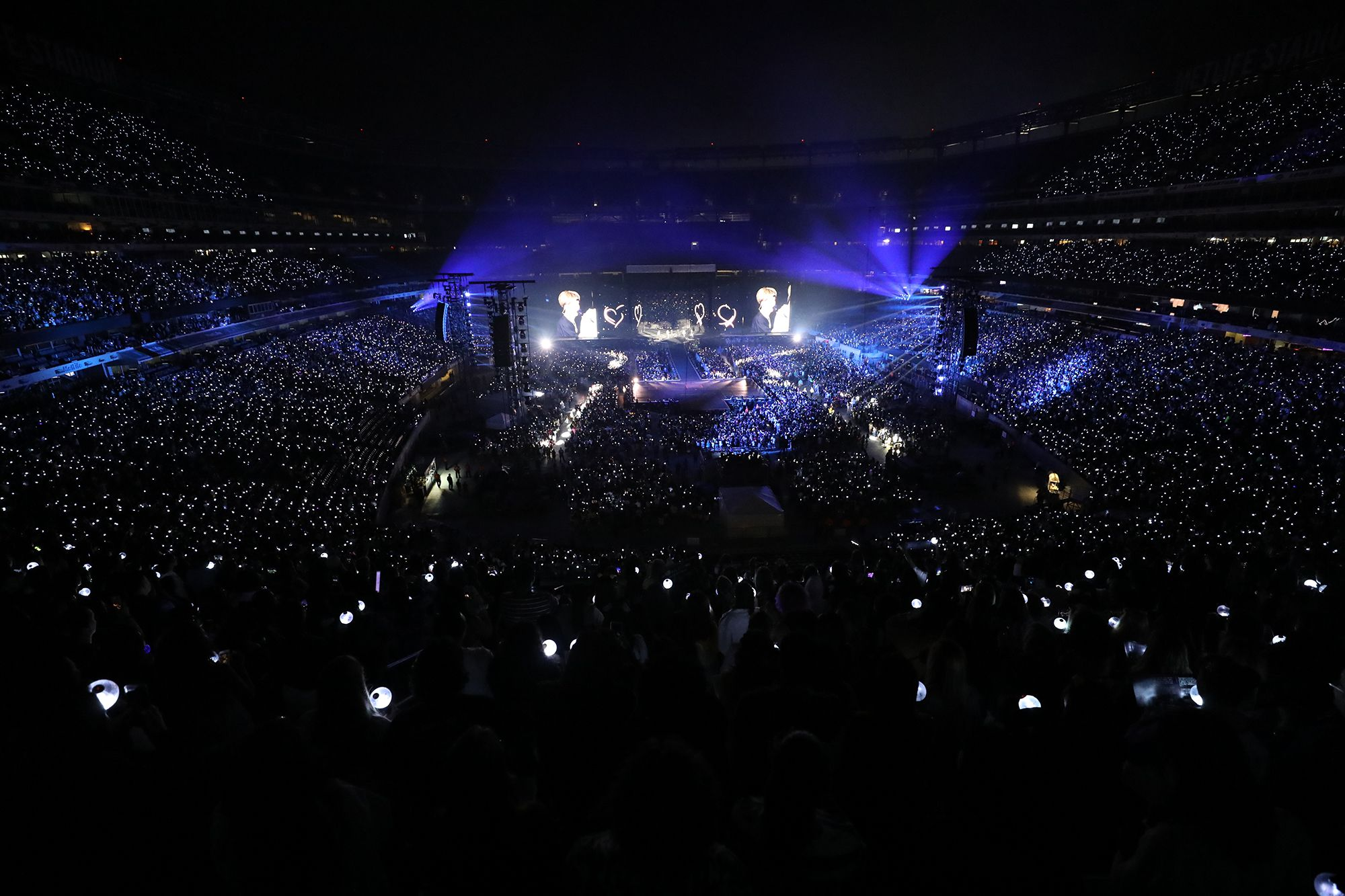 Bts S Historic Metlife Stadium Concert Was Electrifying Fun Deafening Madness Review Nj Com