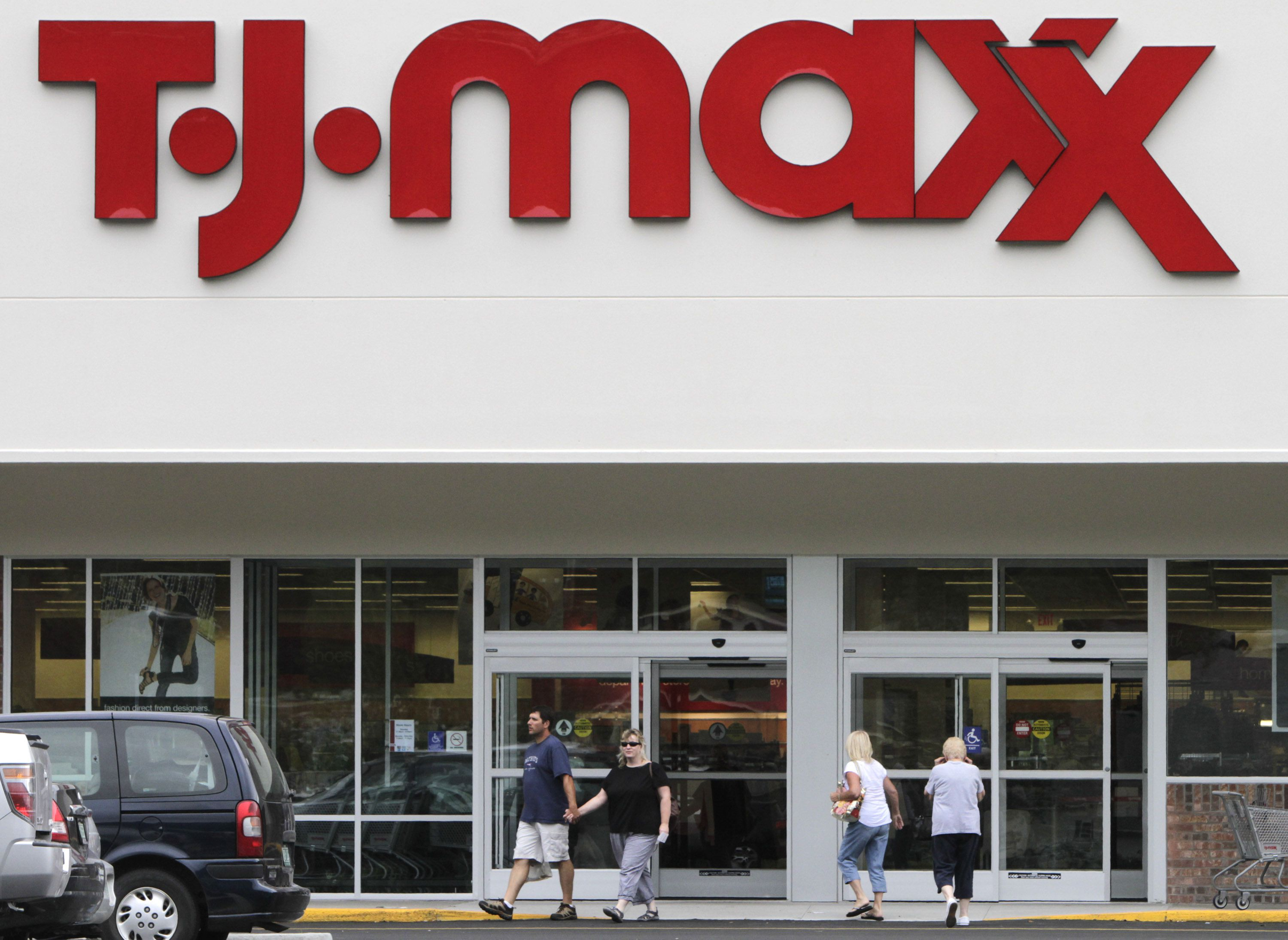 Tj Maxx The Rare Store Thats Thriving While Those At The Mall