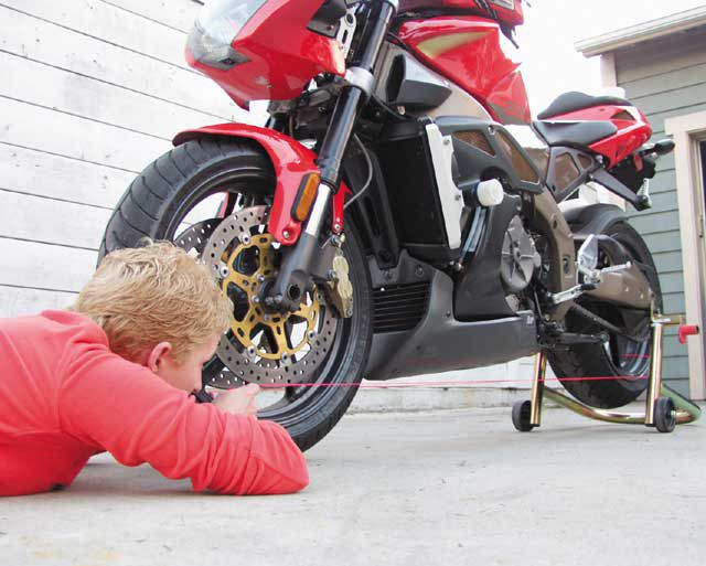 Learn Simple Motorcycle Wheel Alignment   Motorcyclist