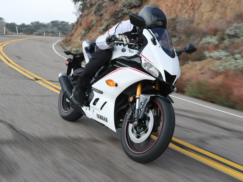 2019 Yamaha Yzf R3 First Ride Review Cycle World