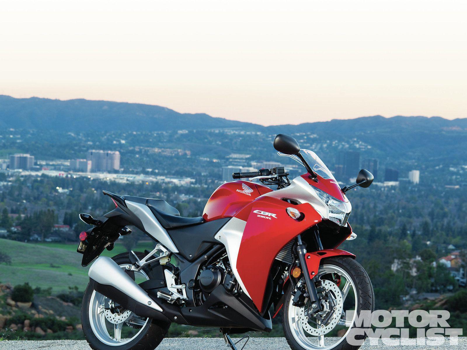 Honda CBR250R vs  Hyosung GT250R vs  Kawasaki Ninja 250R | MC