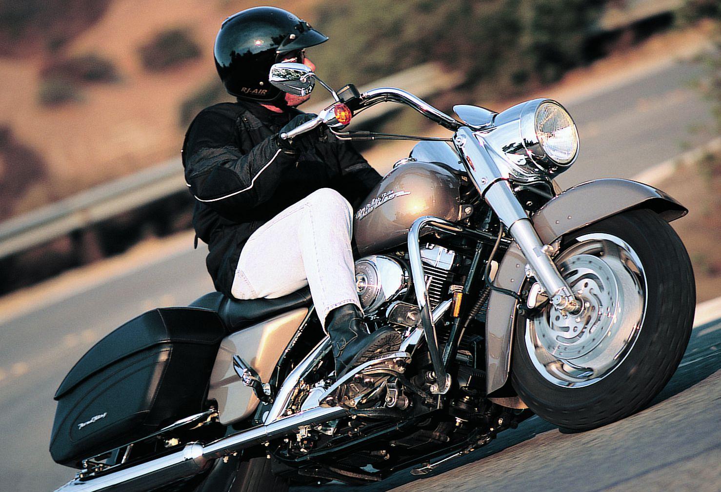 Harley Davidson Road King Custom Bagger Road Test Review Cycle World