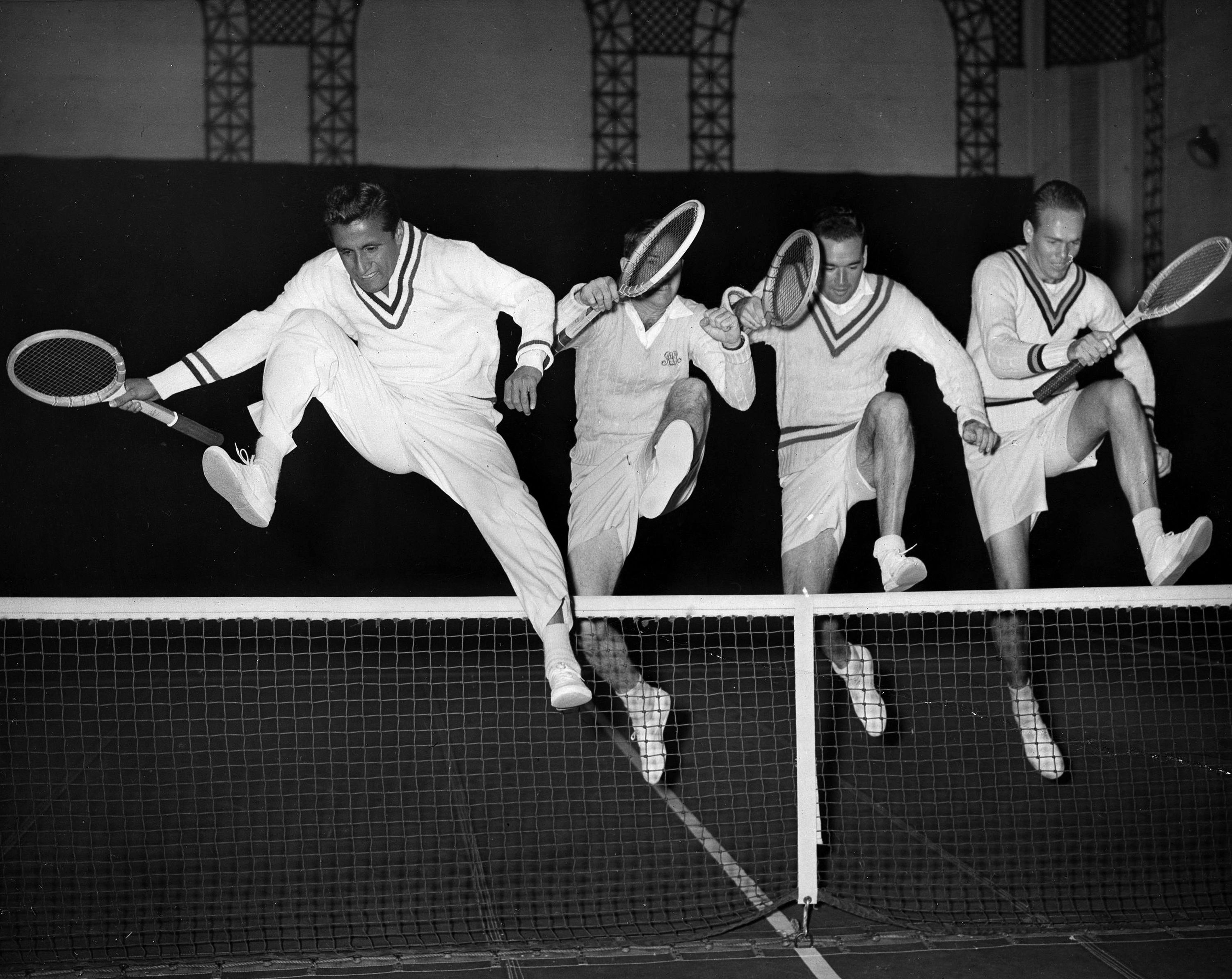 Pancho Segura, 96, tennis great and mentor to Jimmy Connors - The