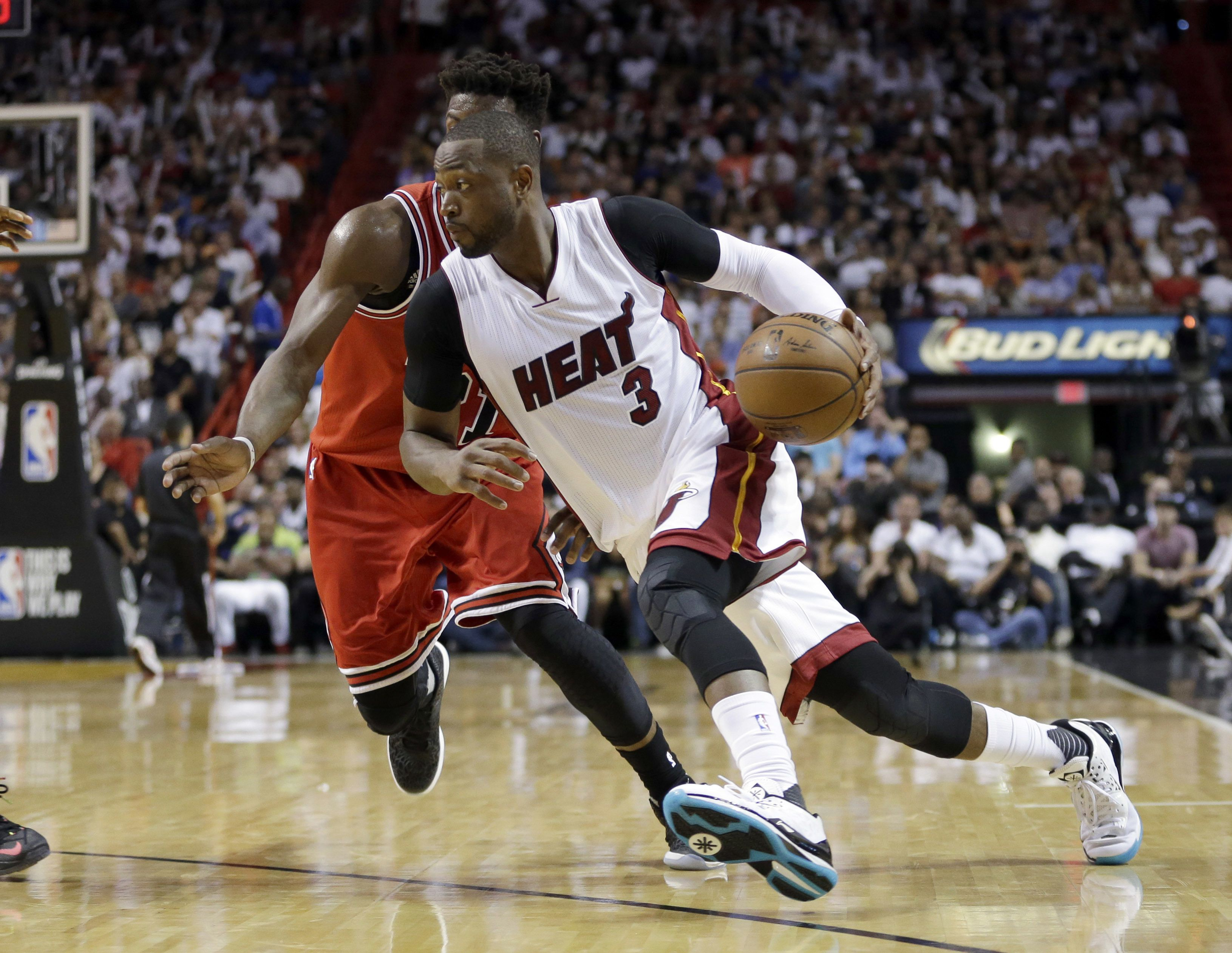 NBA Free Agent Tracker: Dwyane Wade leaves Heat to join