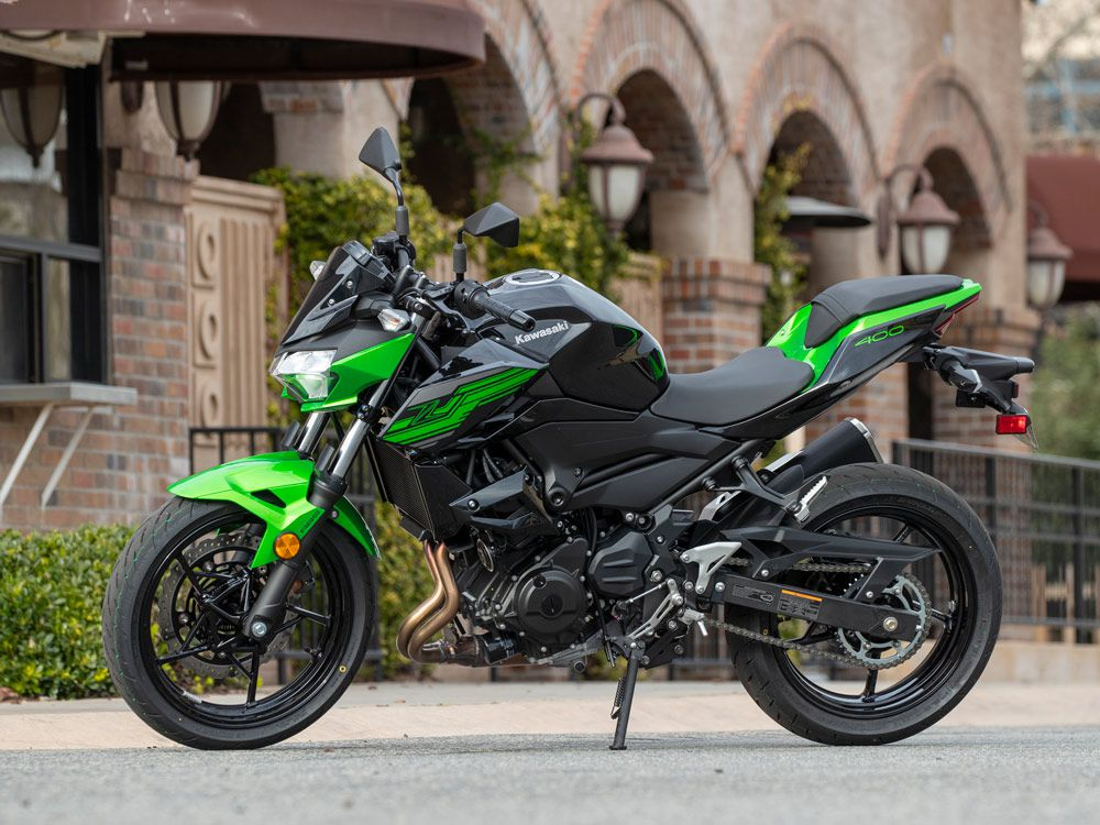 It's Easy Being Green Aboard The 2019 Kawasaki Z400 | Cycle World