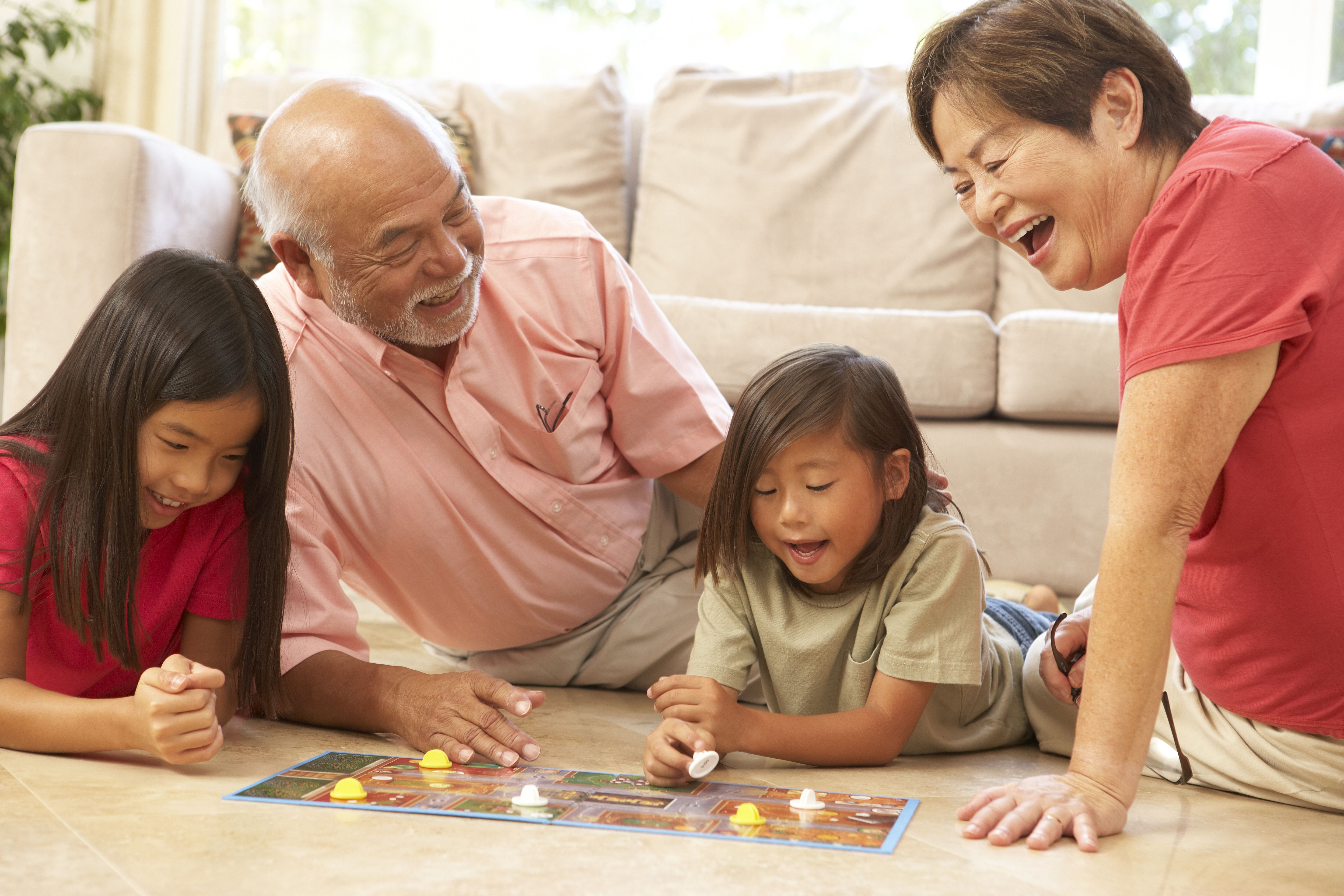 Study: Close grandparent-grandchild relationships have
