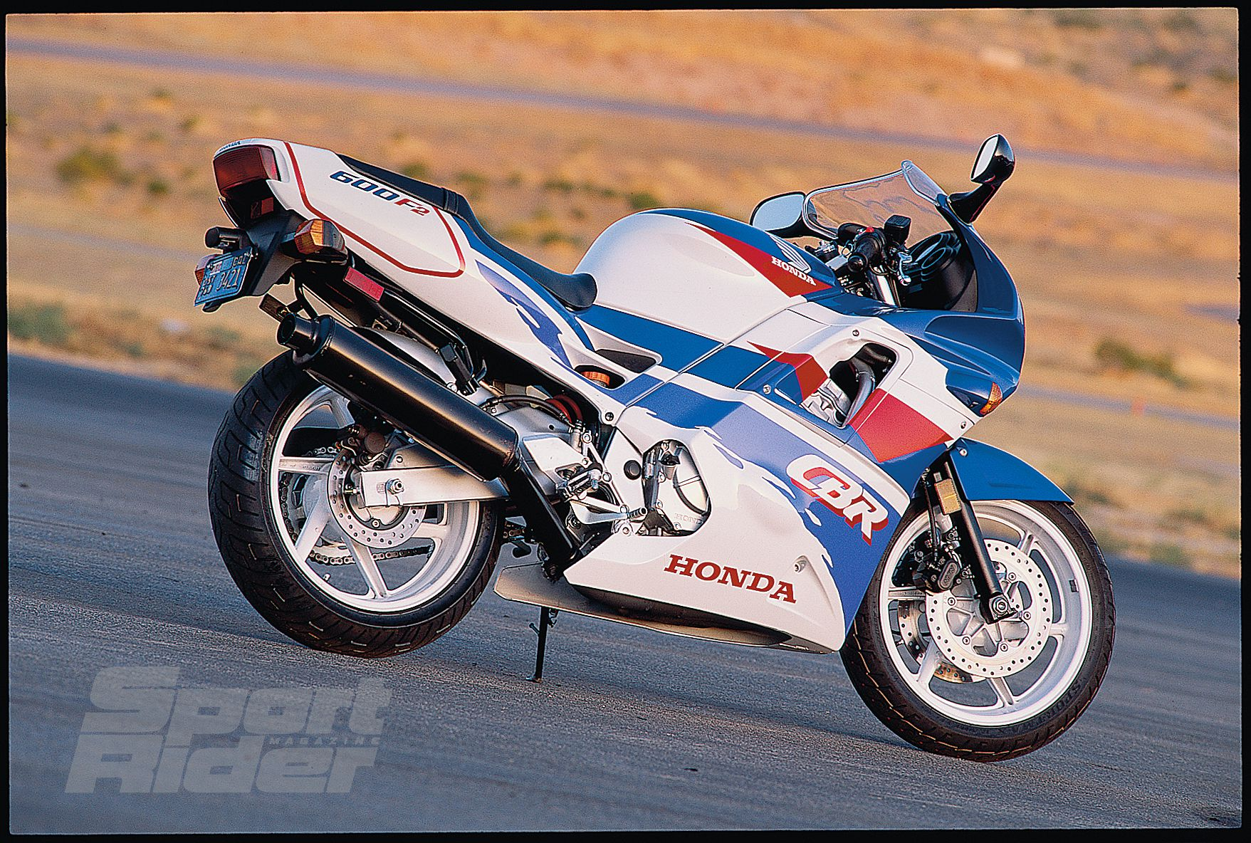 Great Sportbikes Of The Past 1991 1998 Honda Cbr600f2 F3 The Birth Of Domination Cycle World