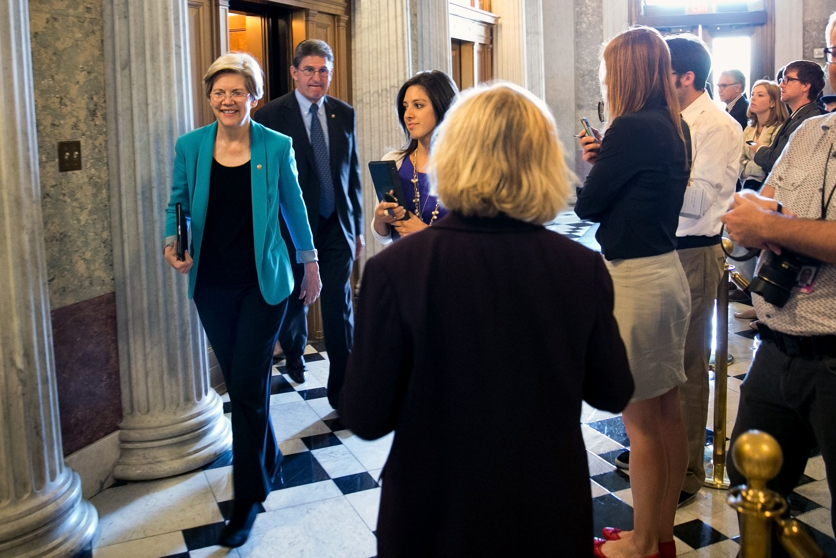 Senators Want Answers On Idea Website >> Senator Senator If It S In A Senate Hallway Elizabeth Warren