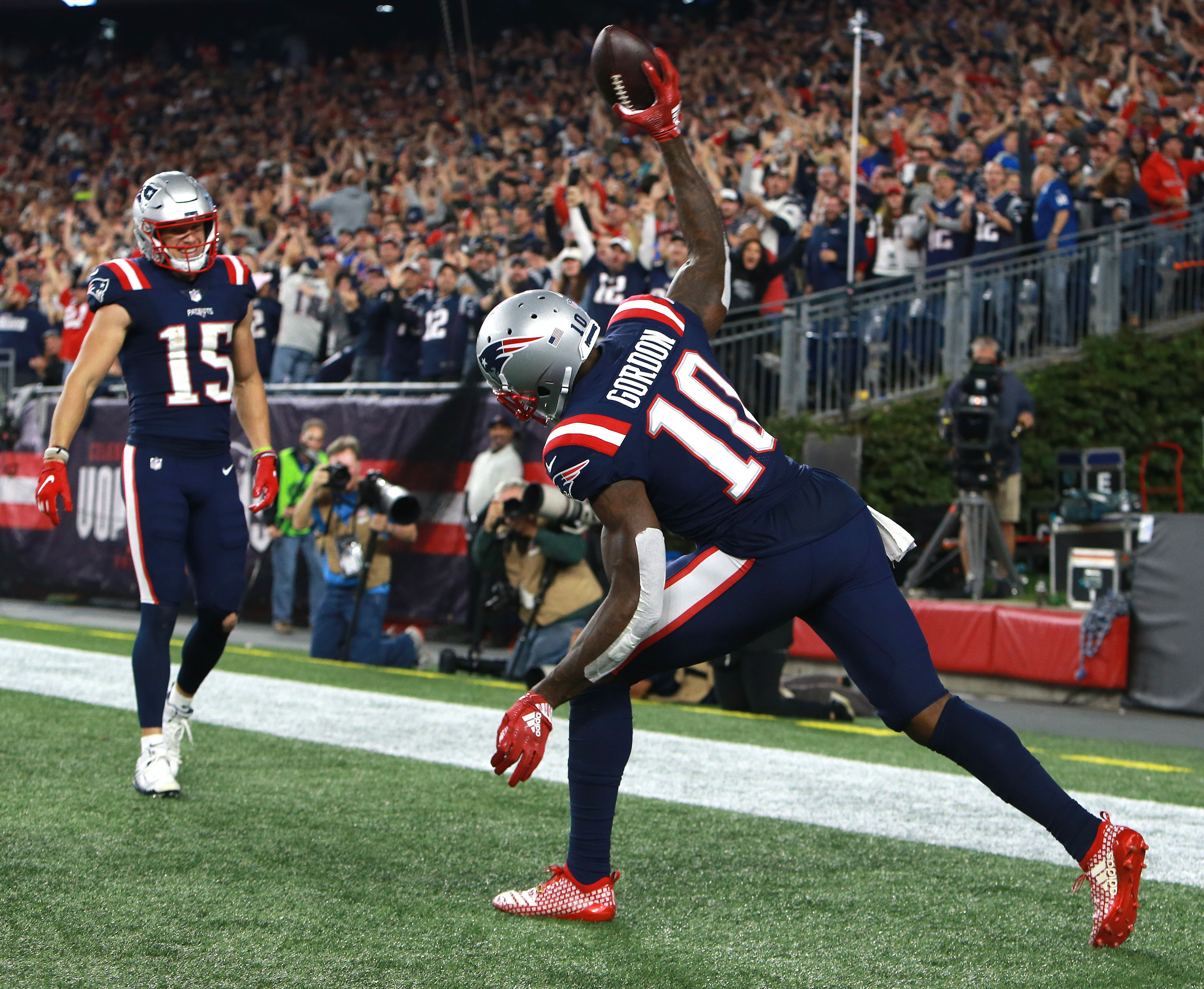 quality design de595 aa121 Everything comes together as Patriots rout Colts, and Tom ...