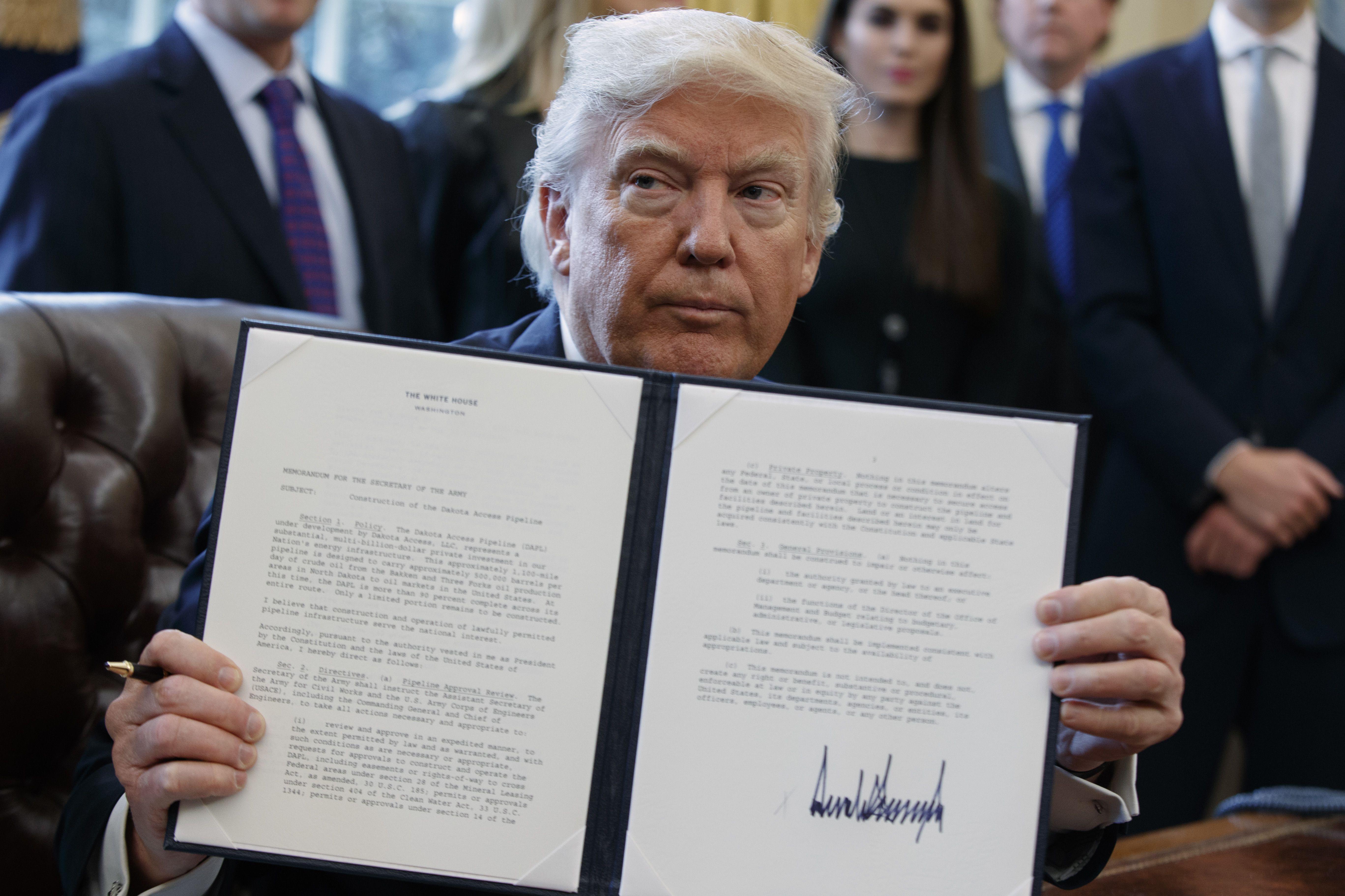5145cfcf38bb Trump revives Keystone XL
