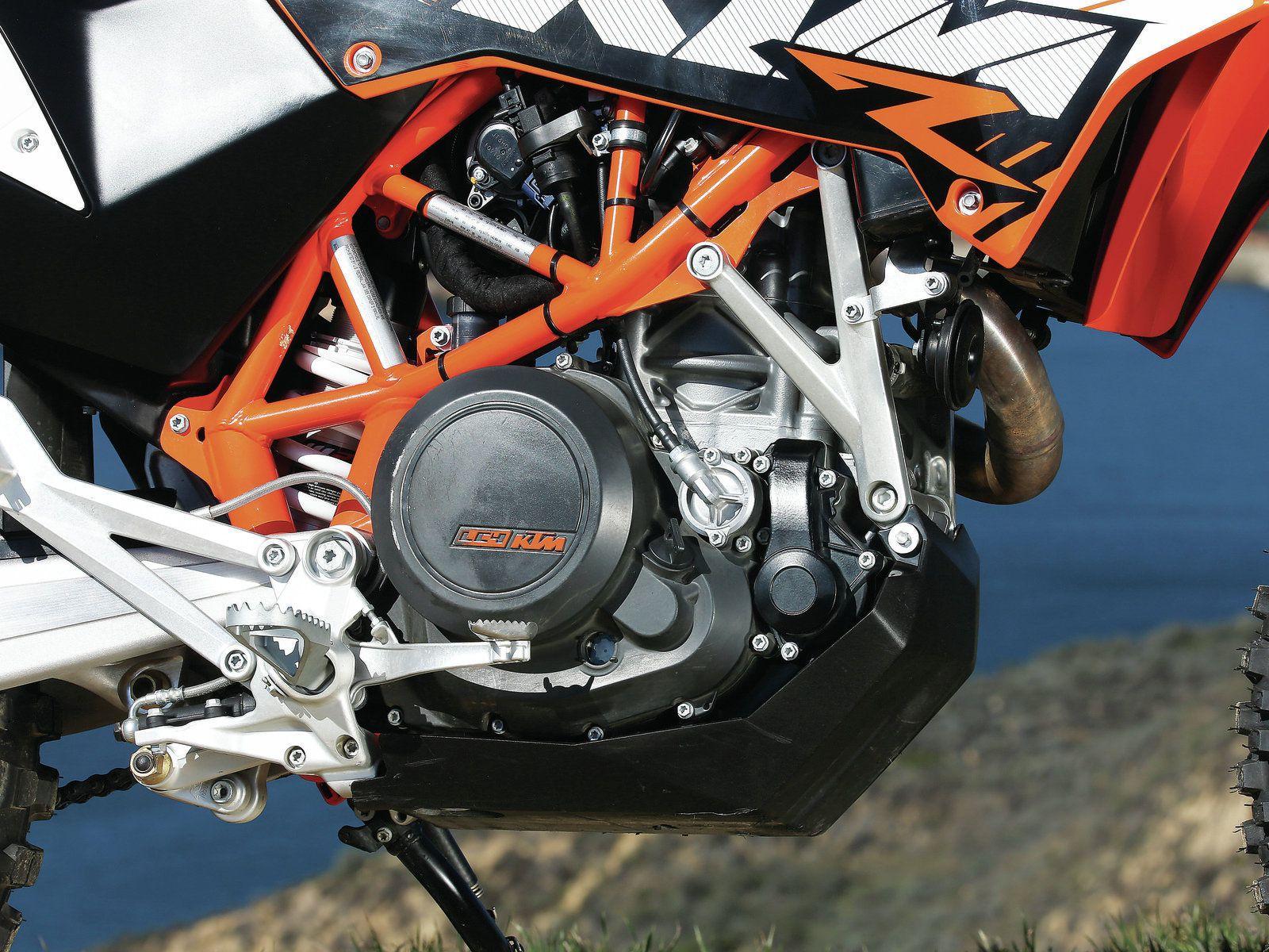 Husqvarna TR650 Terra vs  Kawasaki KLR650 vs  KTM 690 Enduro
