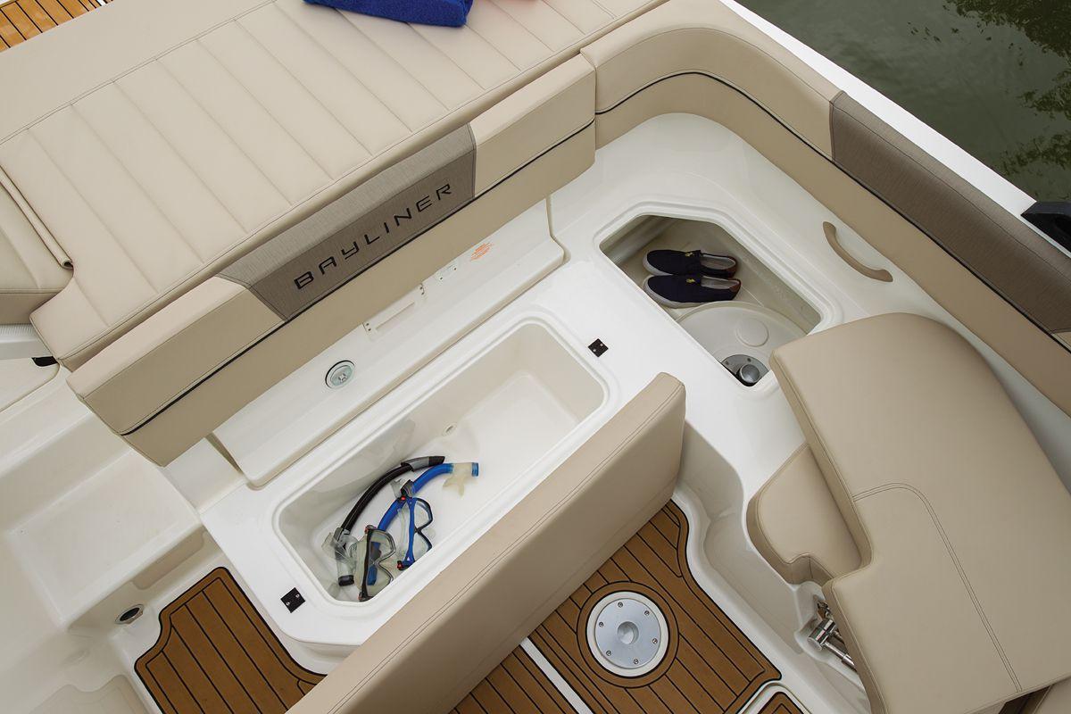Bayliner VR6 | Boating Magazine