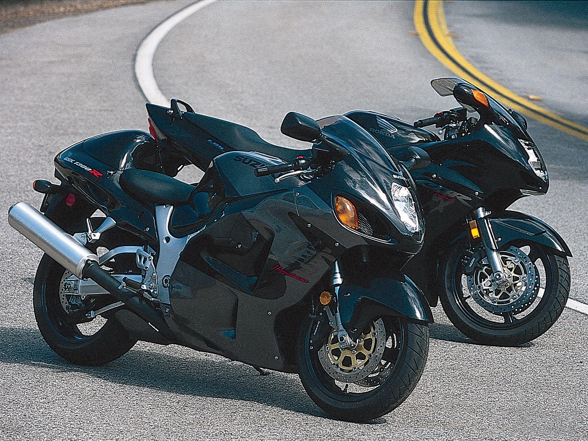 SR Archive: Suzuki GSX1300R Hayabusa versus Honda CBR1100XX
