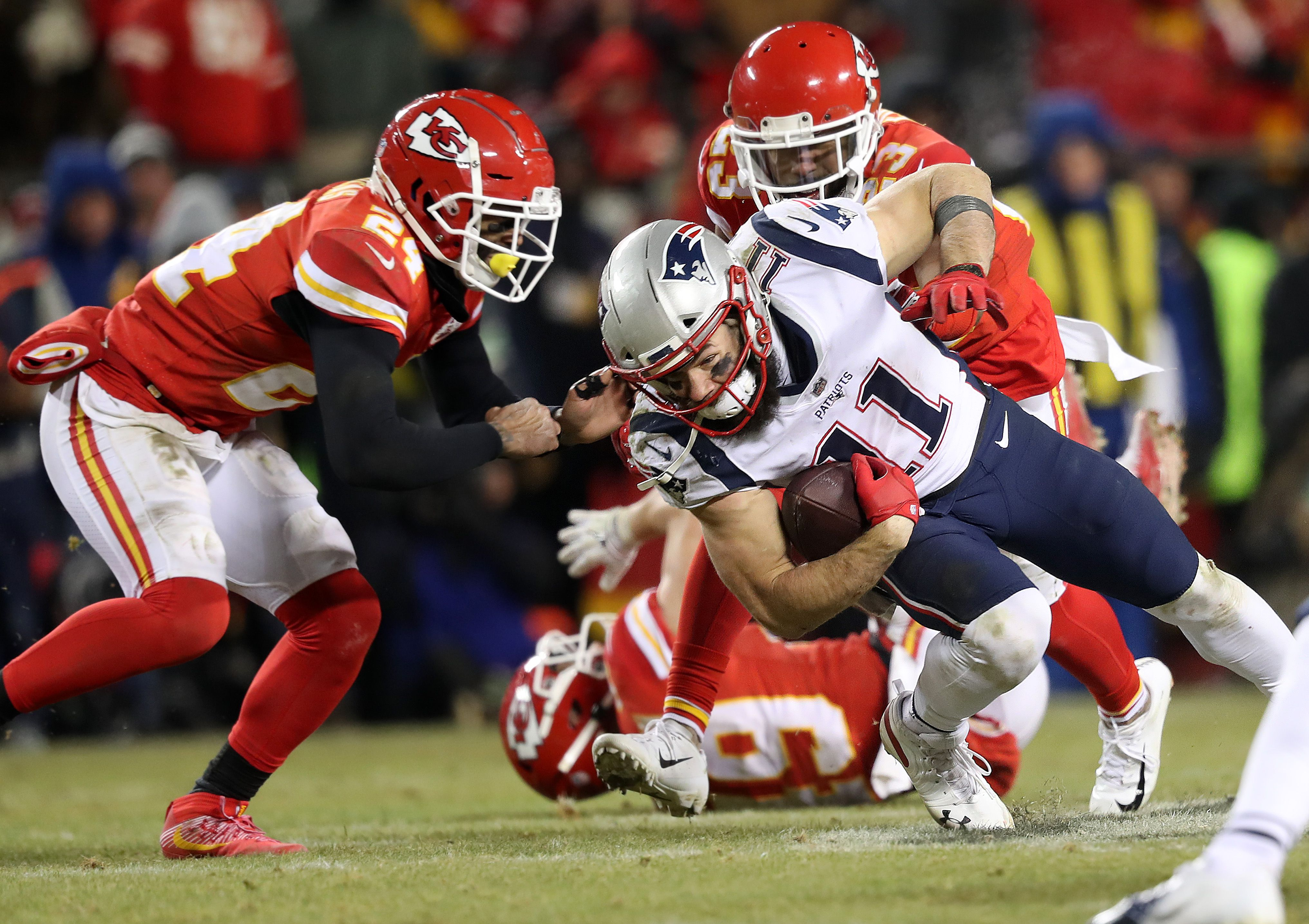 c826d1273 'Jules is going to make the play': Edelman and his prove-them-wrong  mentality came up big