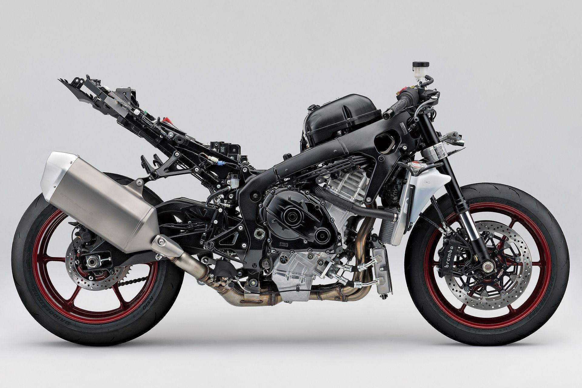 2017 Suzuki GSX-R1000 and GSX-R1000R Superbike - TECH