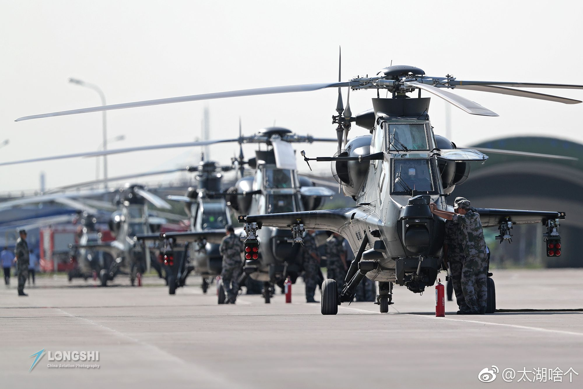 China's showing off its new helicopters | Popular Science