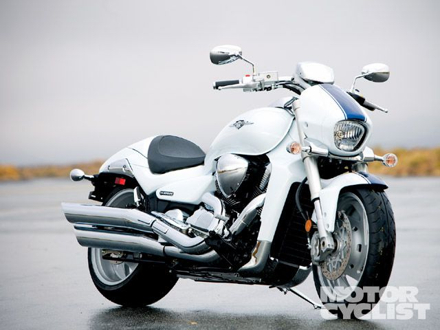 Suzuki Boulevard M109R LTD  vs  Victory Hammer S | Motorcyclist