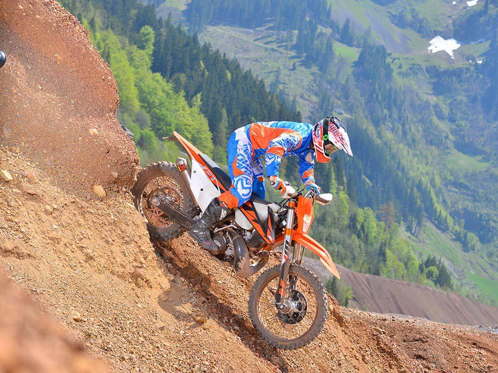 Full Test Of The 2018 KTM 250 XC-W TPI | Dirt Rider