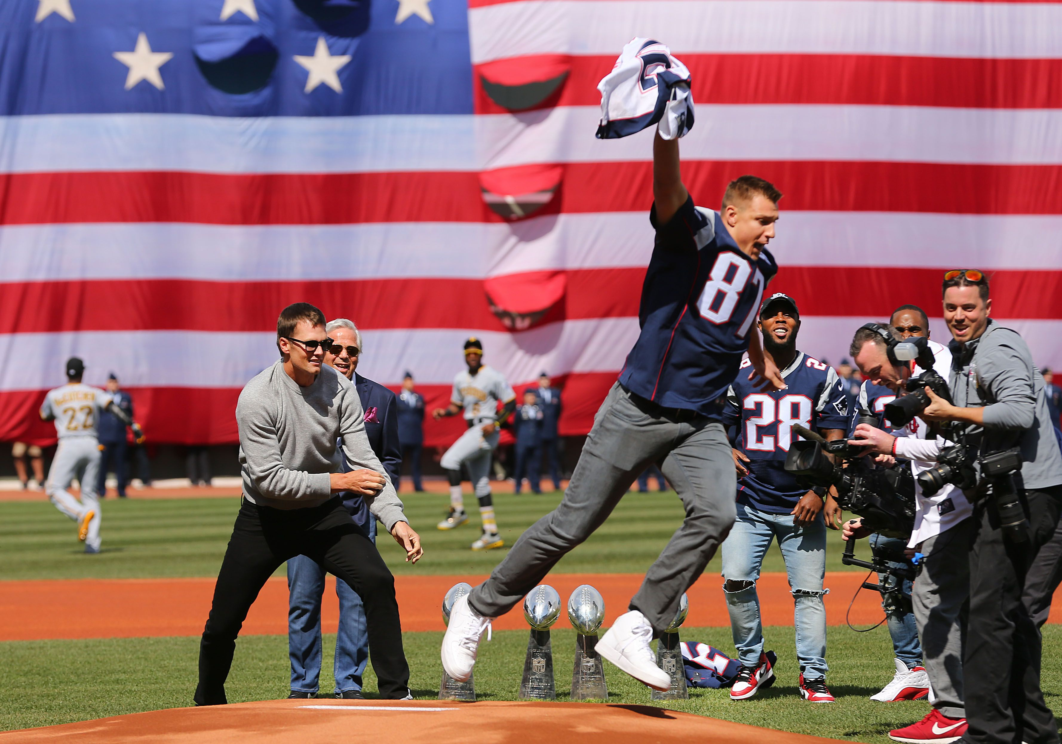 Gronk 'steals' Brady's jersey in pregame ceremony at Fenway - The ...