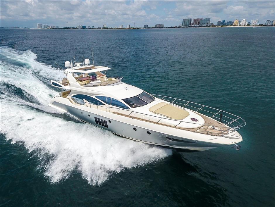 Brokerage: Azimut 70 Fly | Yachting