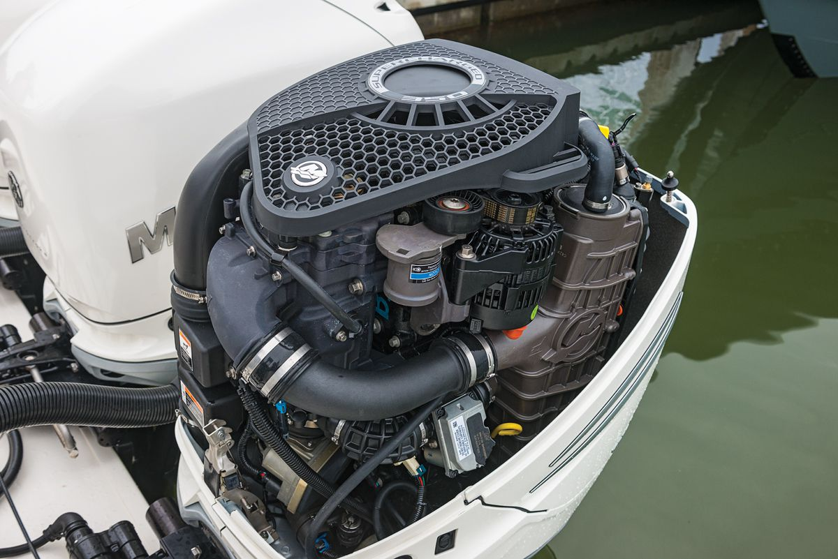 Mercury Outboards Verado 350, Racing 400R | Boating Magazine
