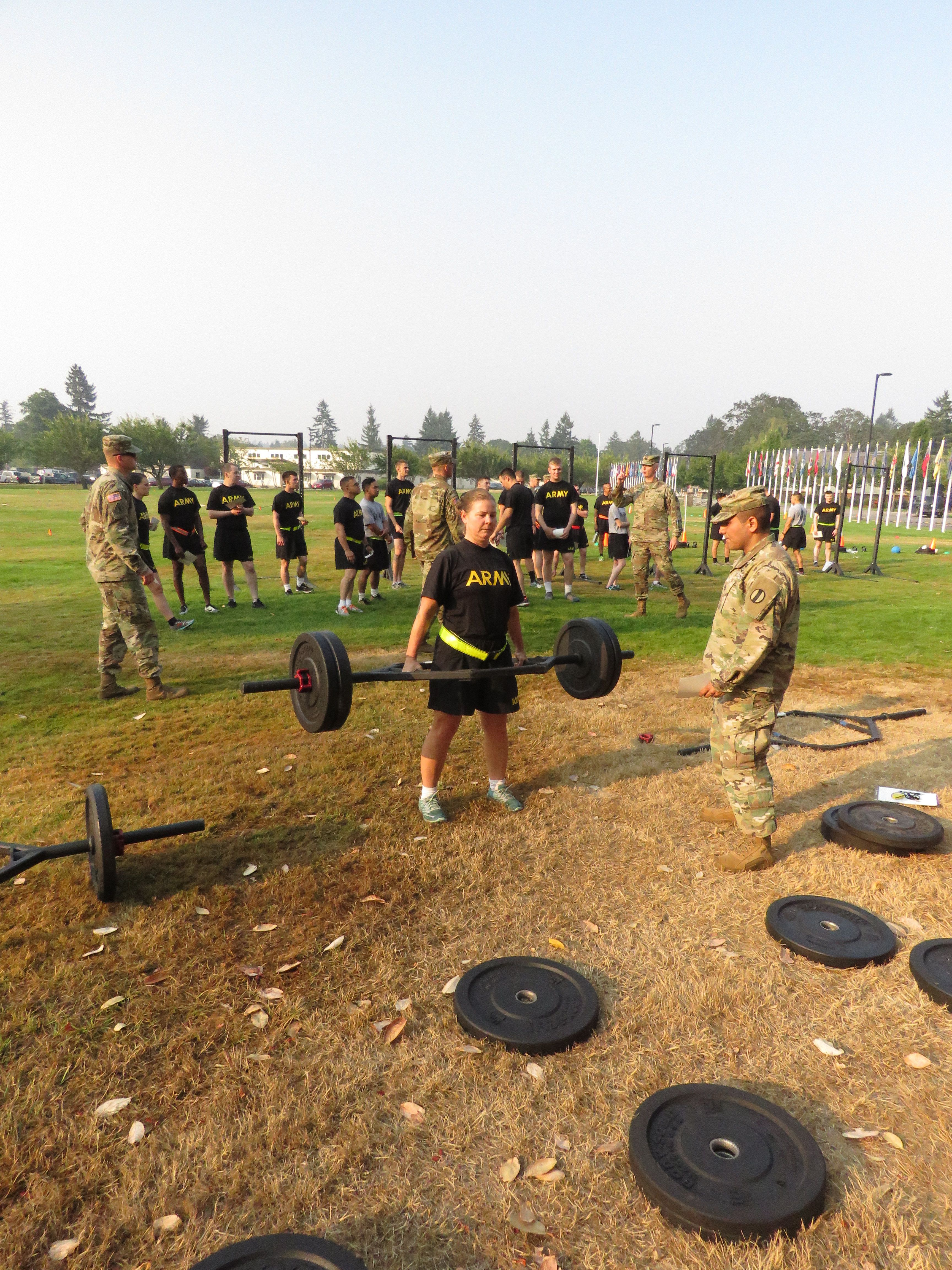 Here's what the U S  Army's new gender-neutral fitness test will