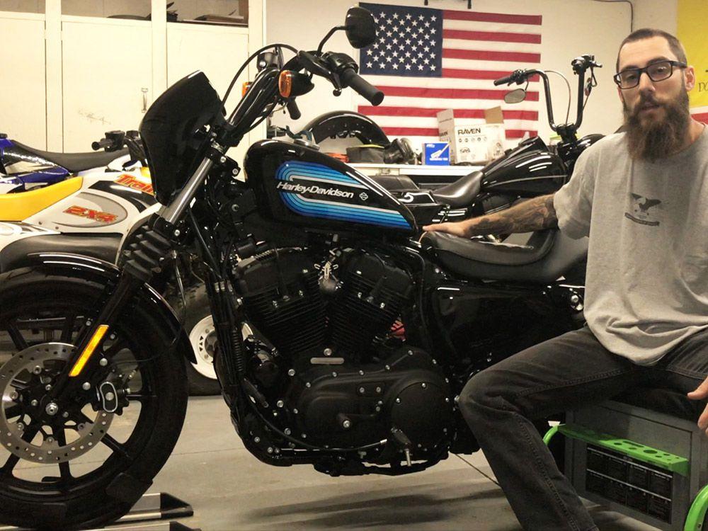Harley-Davidson Sportster Iron 1200 Oil Change