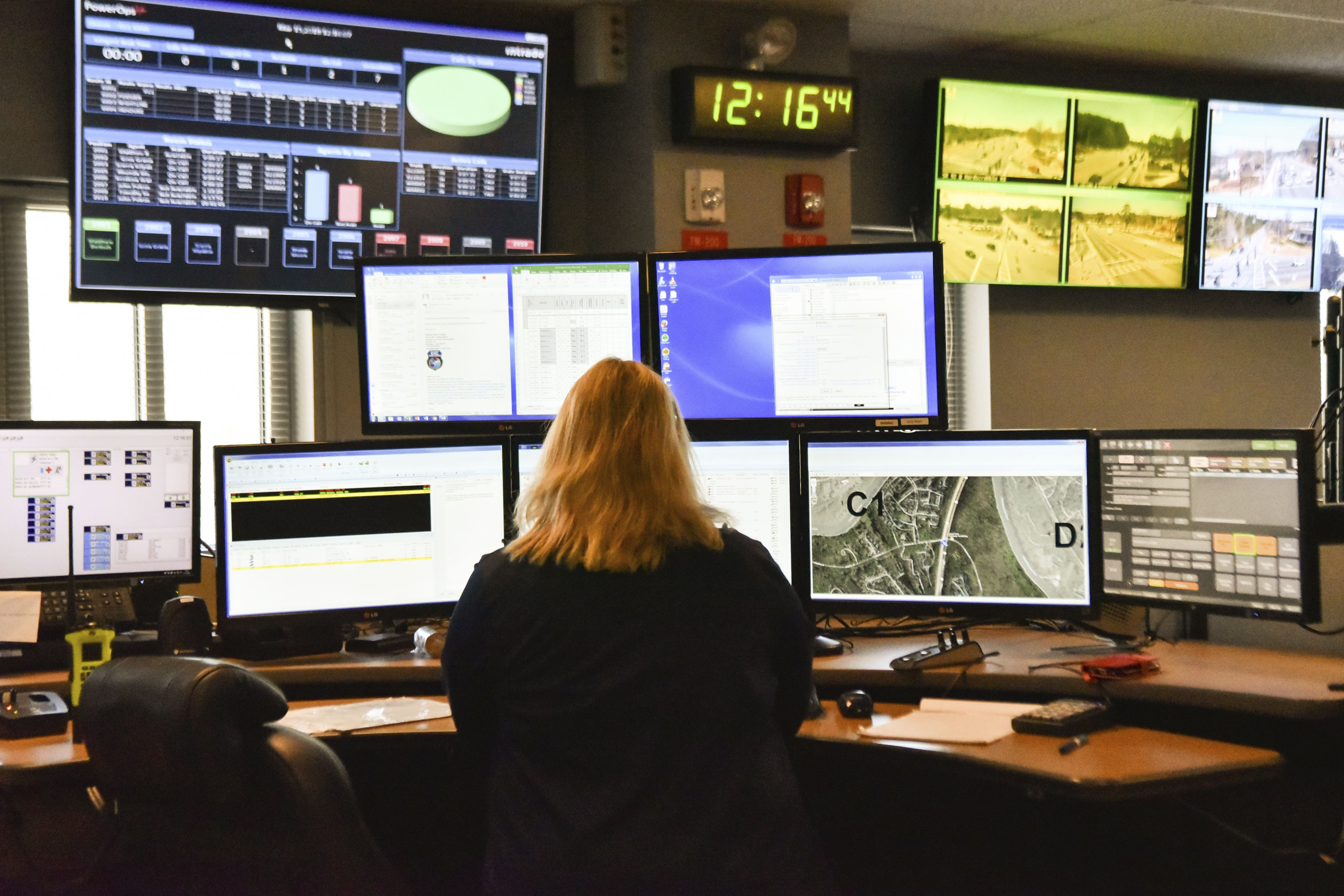 Here's how to call emergency services if 911 isn't working in your