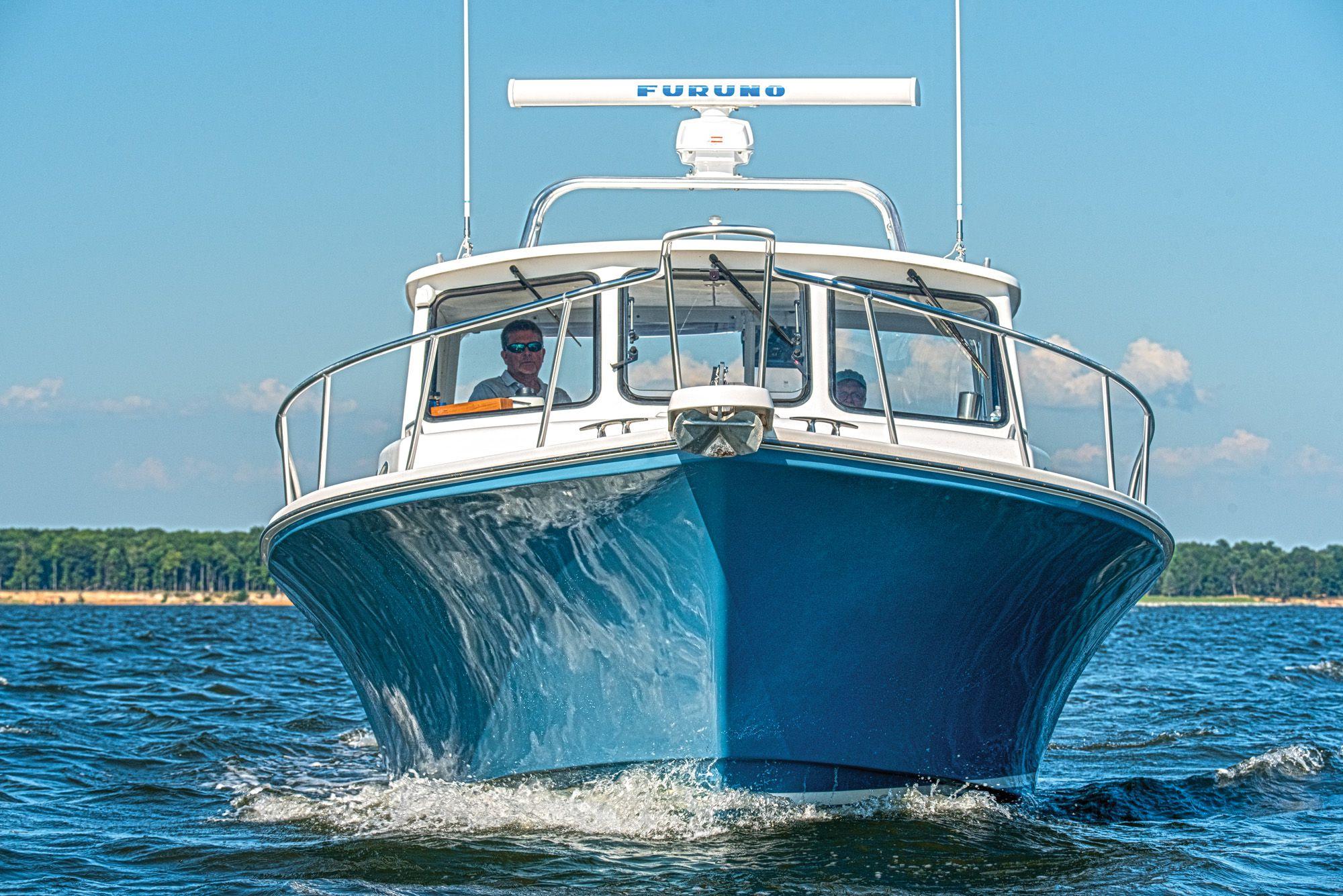 Outboard vs  Inboard   Boating Magazine