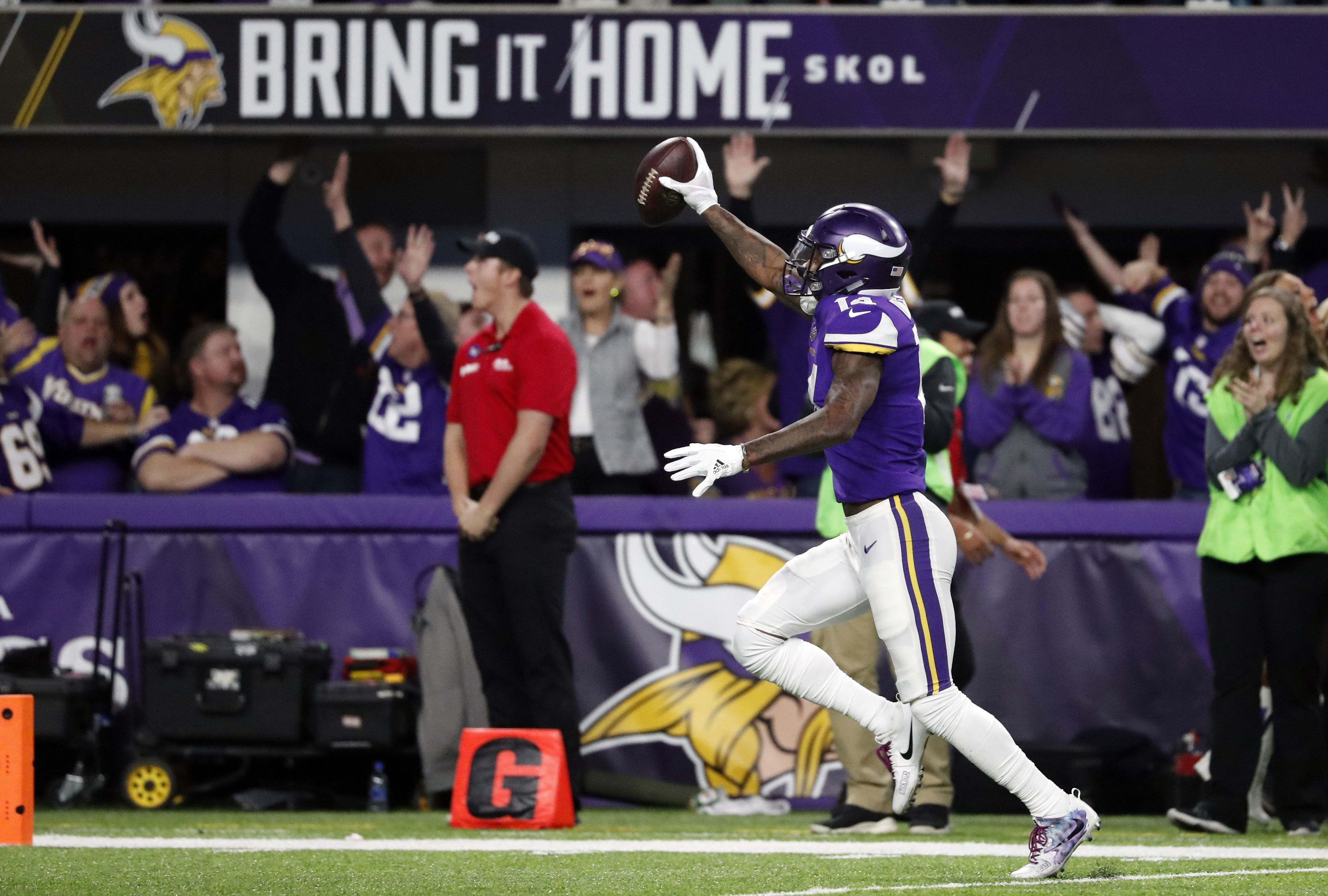 69e9fcf10 After the 'Minnesota Miracle,' Vikings fans believe that this is their time  - The Boston Globe