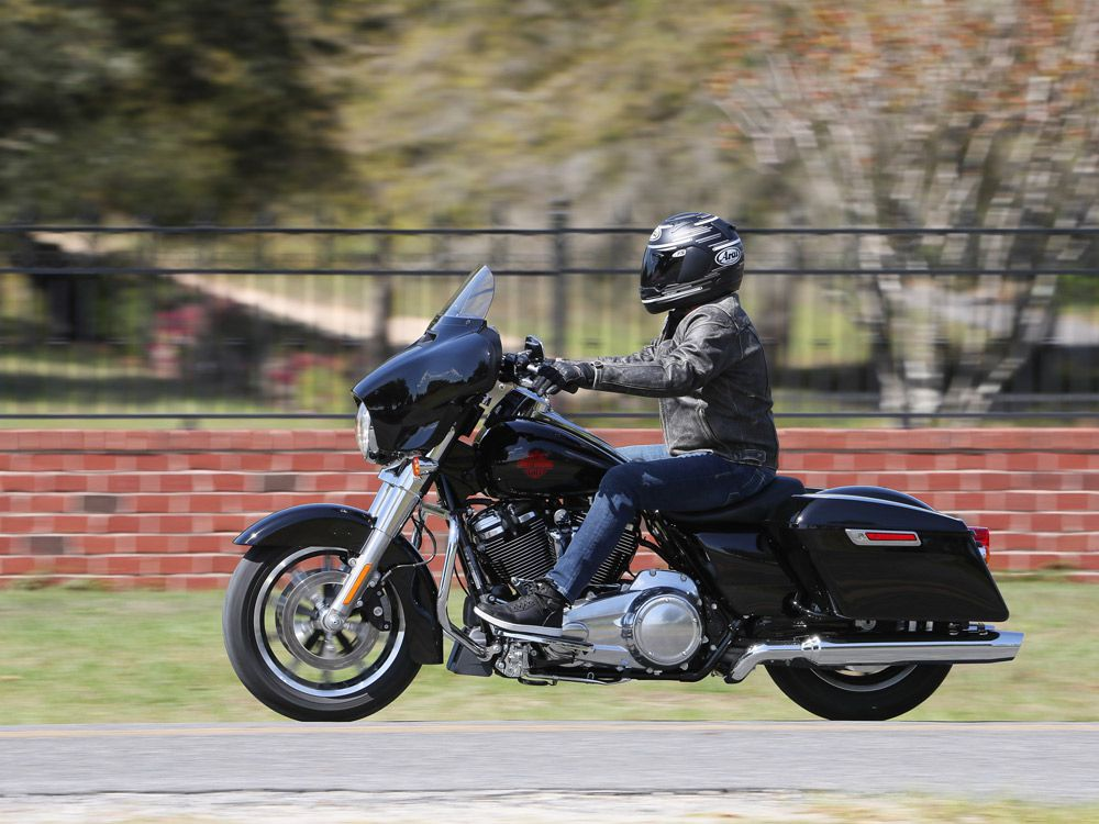 A First Ride On Harley's Stripped-Down Tourer, The 2019